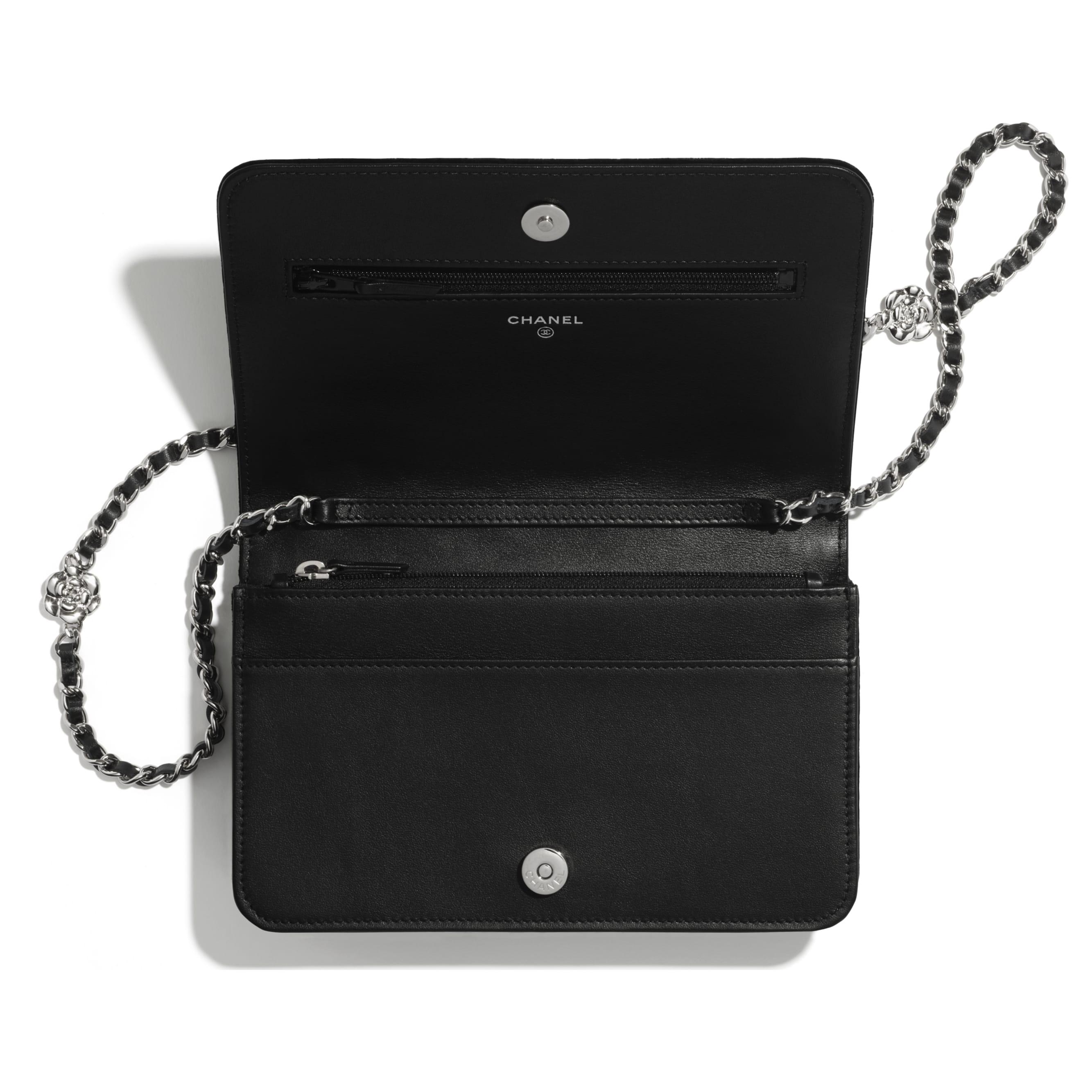 Wallet on chain - Noir - Velours & métal argenté - CHANEL - Autre vue - voir la version taille standard