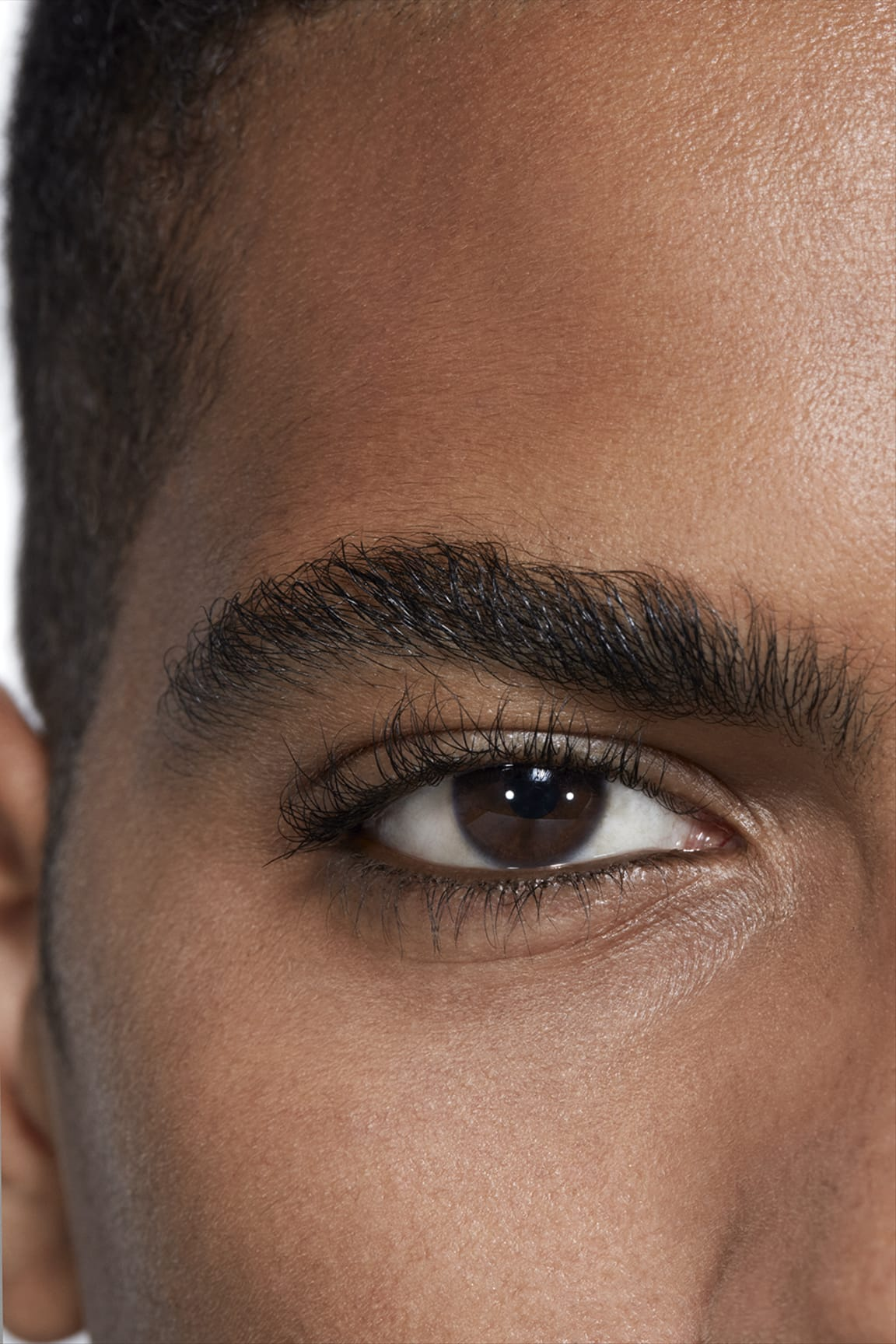 Application makeup visual 2 - BOY DE CHANEL 3-IN-1 EYE PENCIL 614 - BROWN