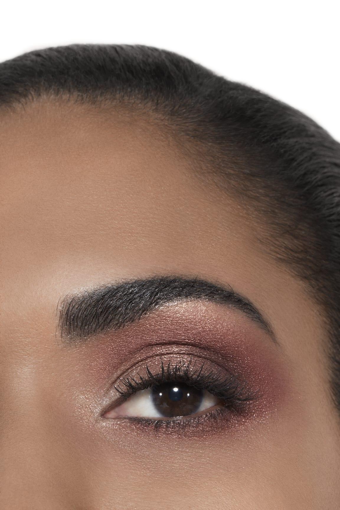 Application makeup visual 2 - ÉCLAT ÉNIGMATIQUE Exclusive Creation. Limited edition. ÉCLAT ÉNIGMATIQUE