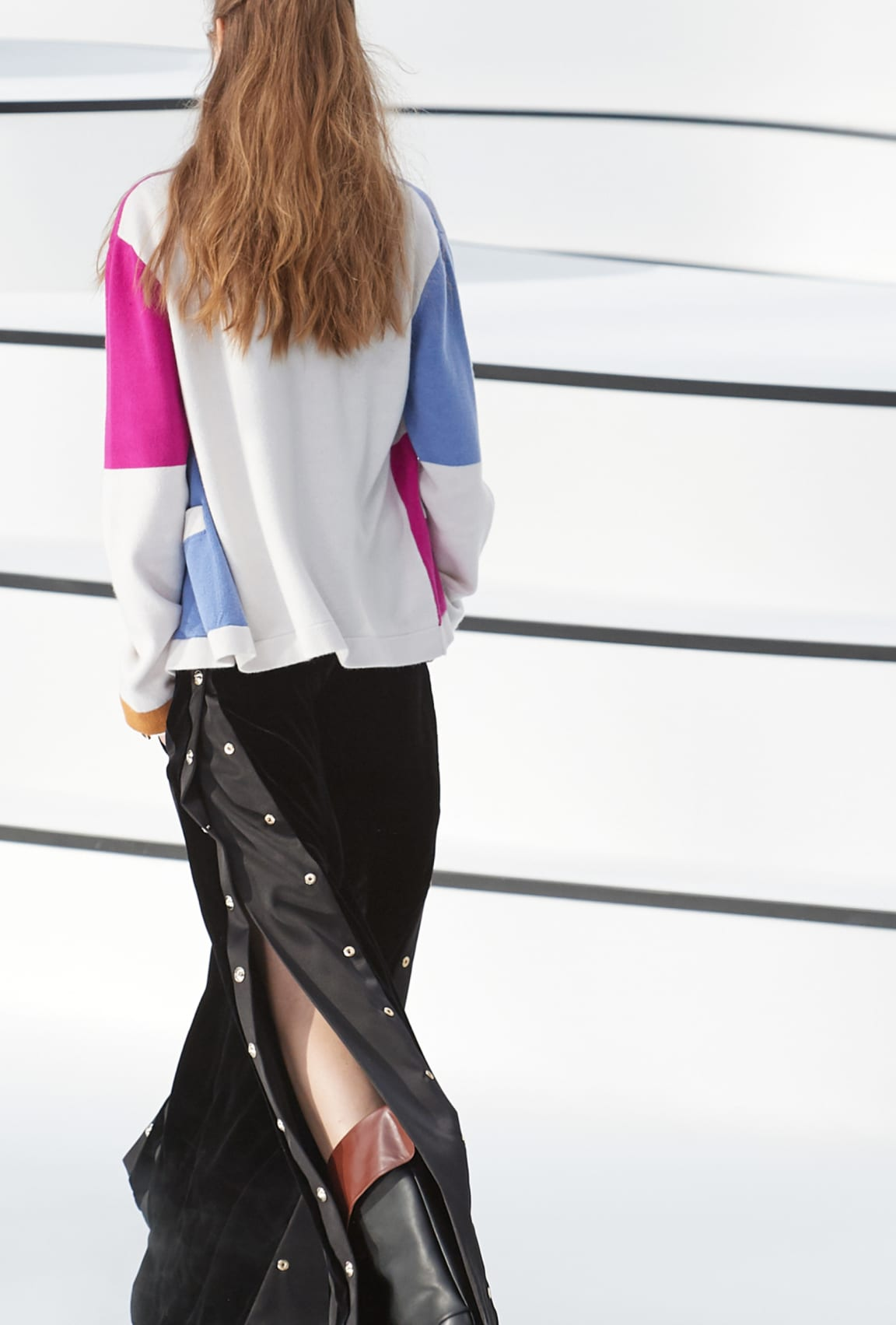 Image 4 - Look  13