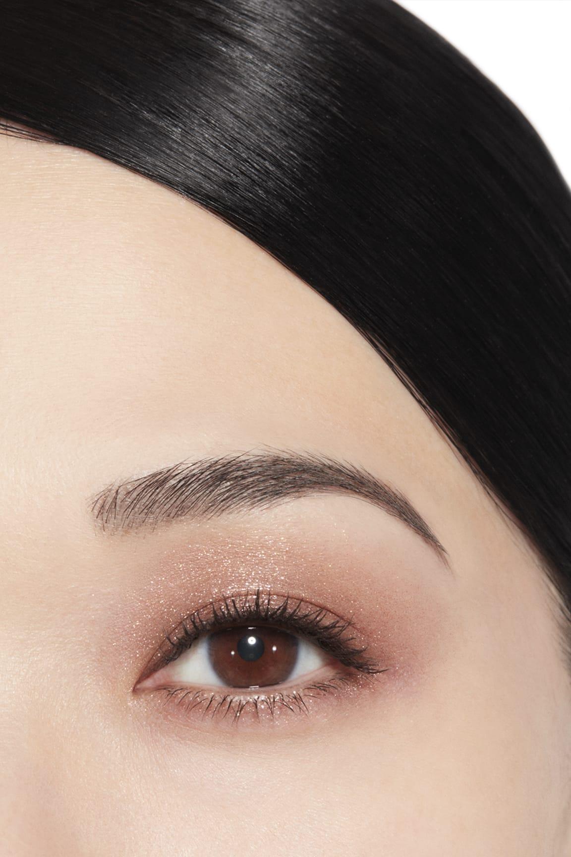 Application makeup visual 1 - ILLUSION D'OMBRE 97 - NEW MOON
