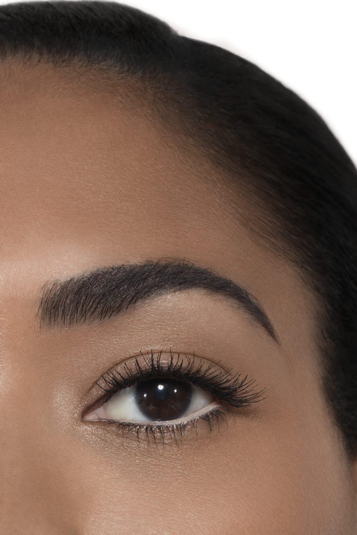 Application makeup visual 2 - LE CRAYON KHÔL 69 - CLAIR