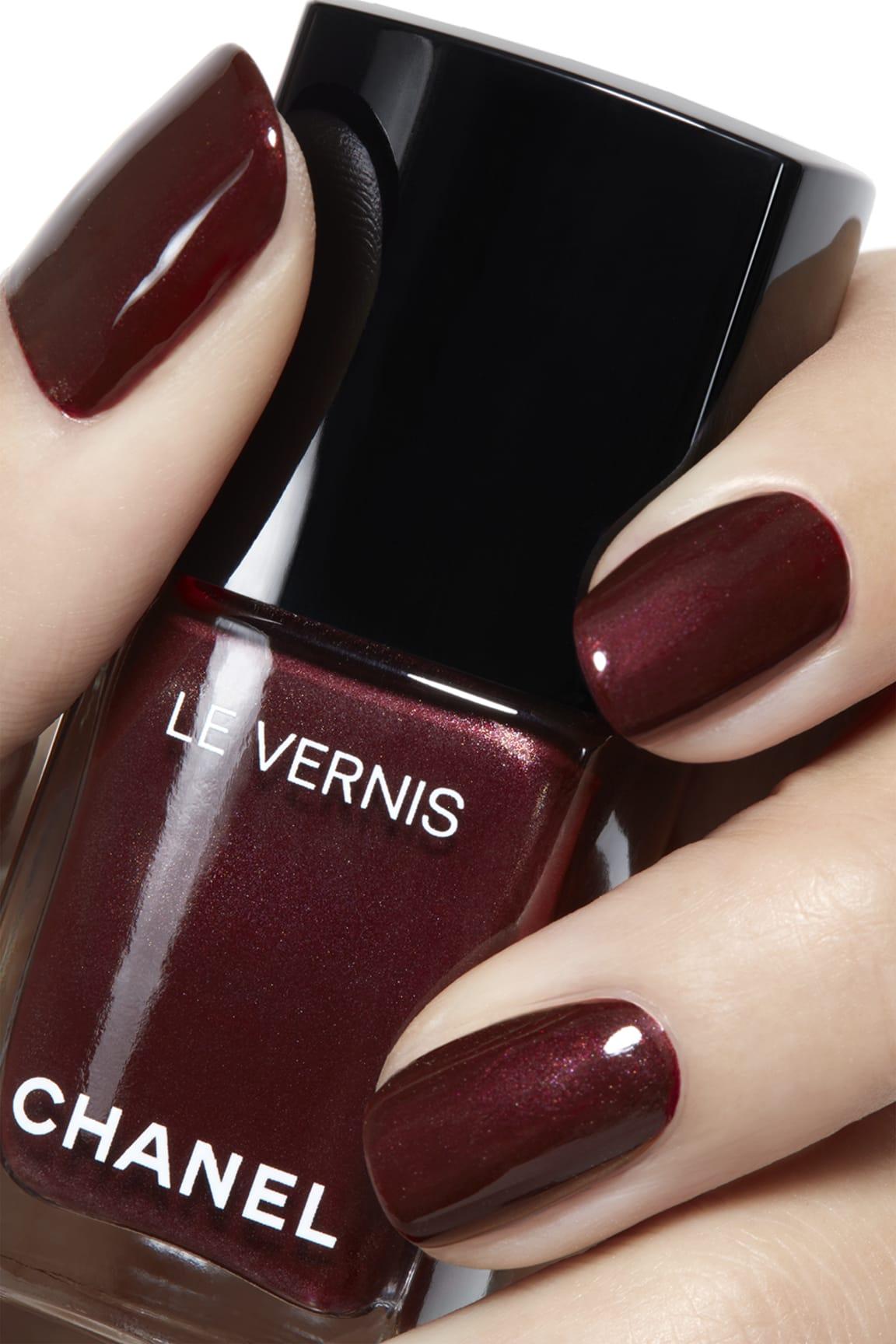 Application makeup visual 2 - LE VERNIS 18 - VAMP