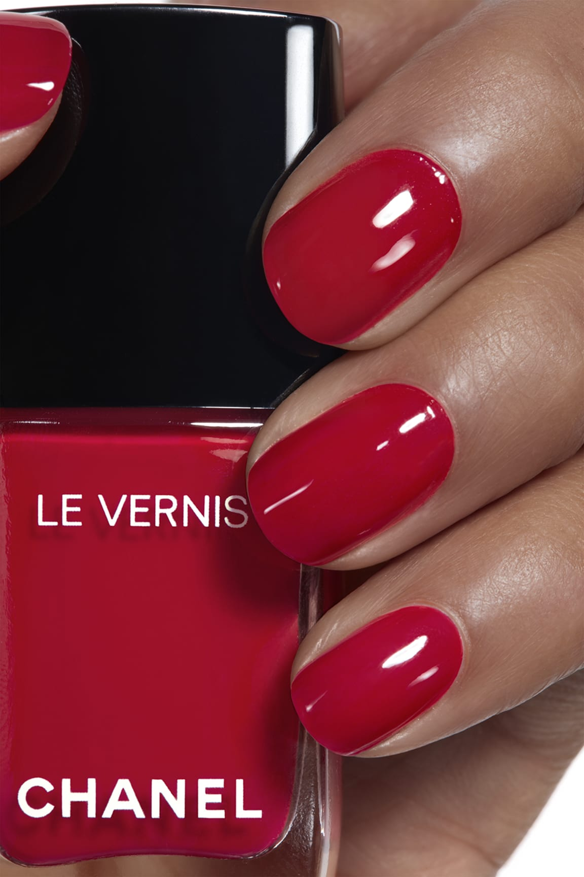 Application makeup visual 1 - LE VERNIS 528 - ROUGE PUISSANT