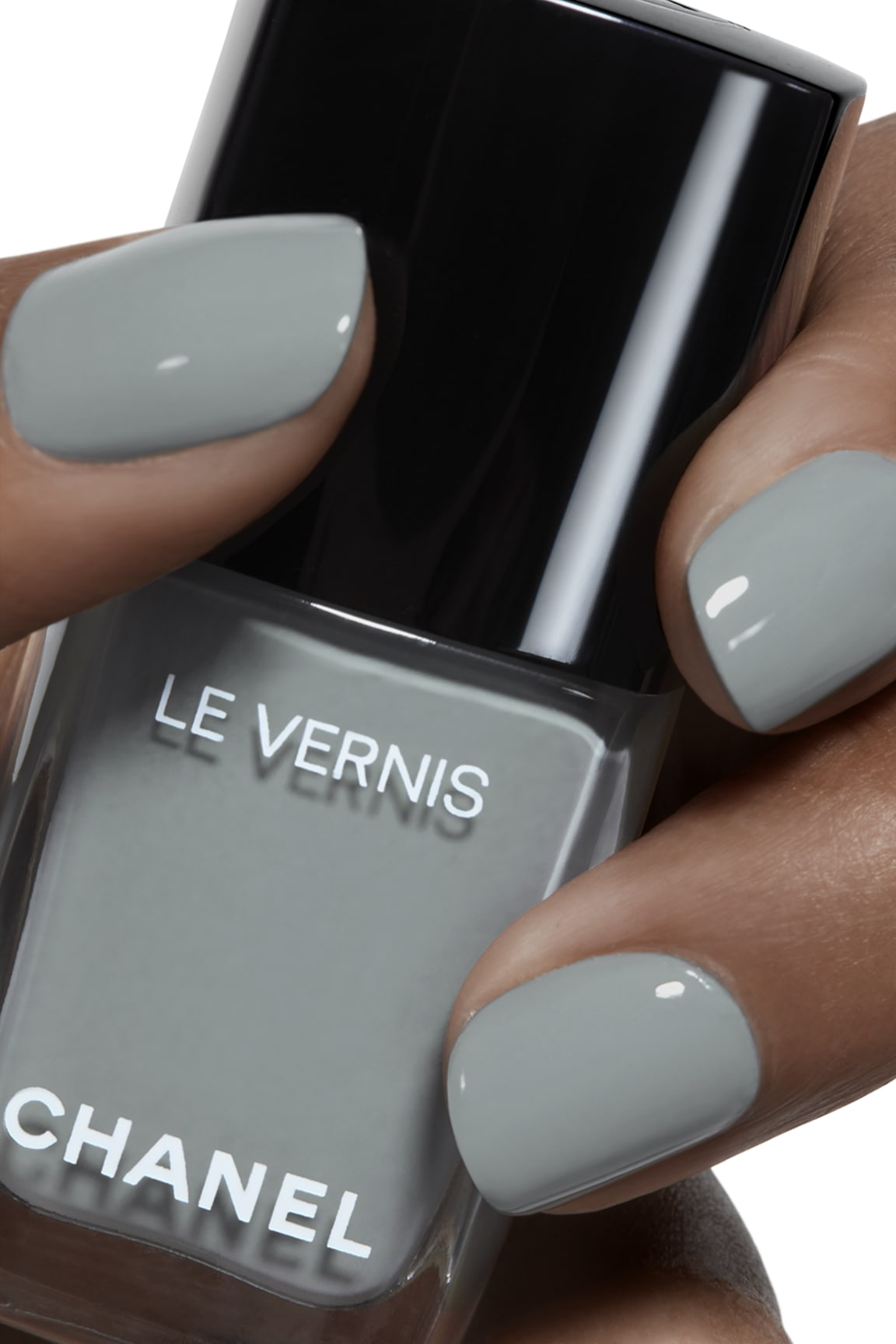 Application makeup visual 1 - LE VERNIS 566 - WASHED DENIM