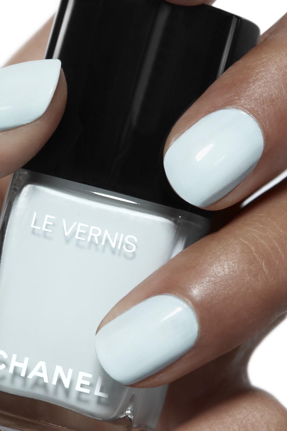 Application makeup visual 1 - LE VERNIS 584 - BLEU PASTEL