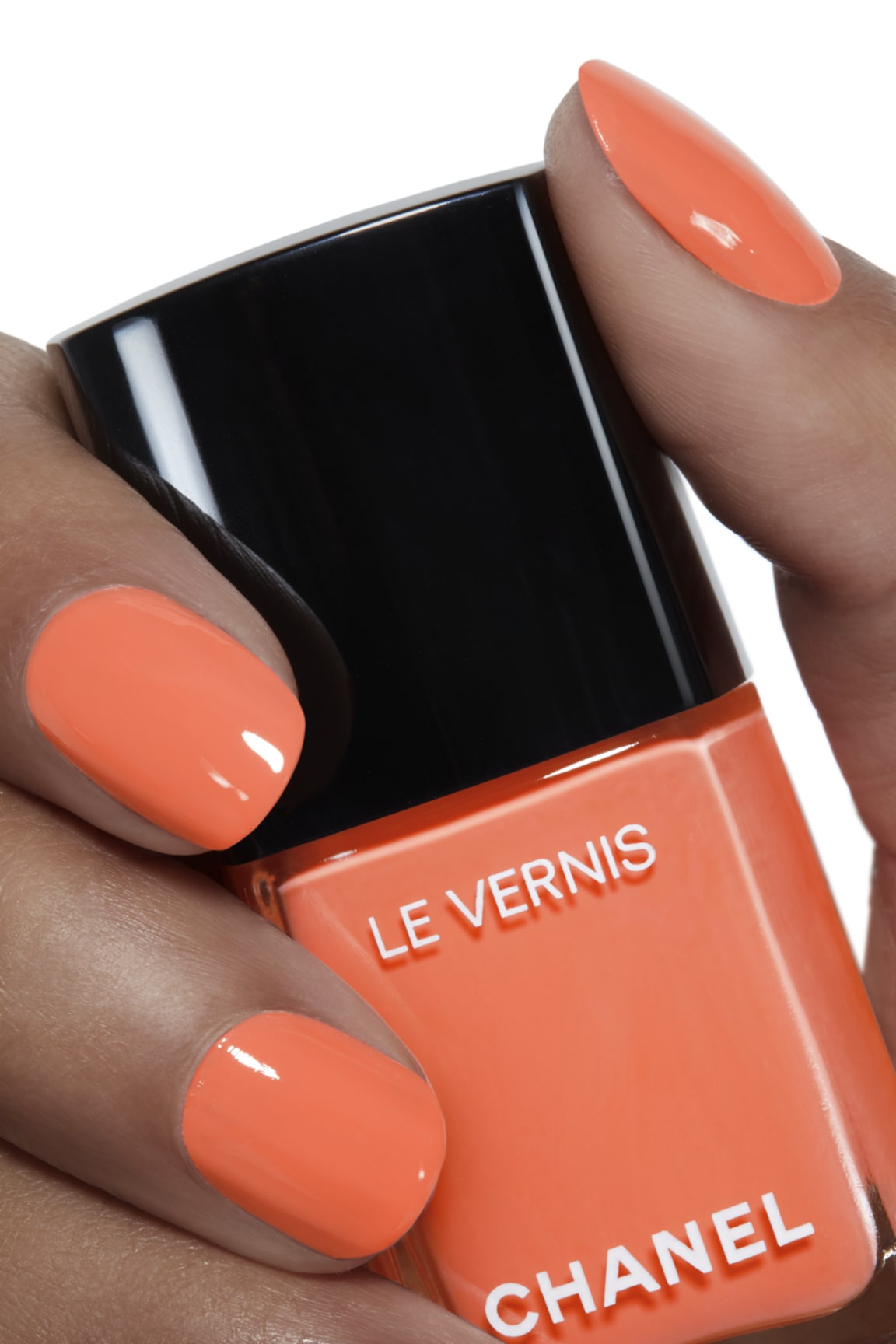 Toepassing make-up visual 1 - LE VERNIS 745 - CRUISE