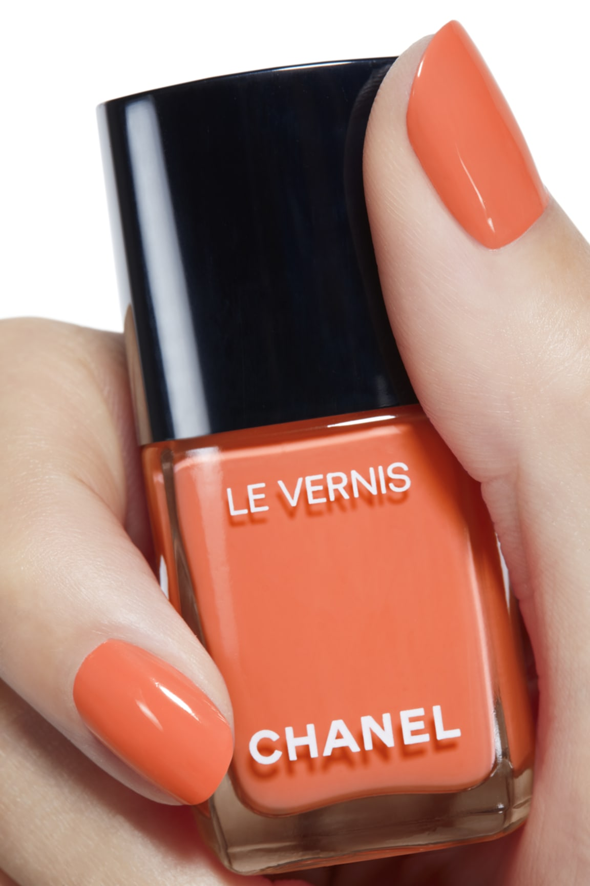 Toepassing make-up visual 2 - LE VERNIS 745 - CRUISE