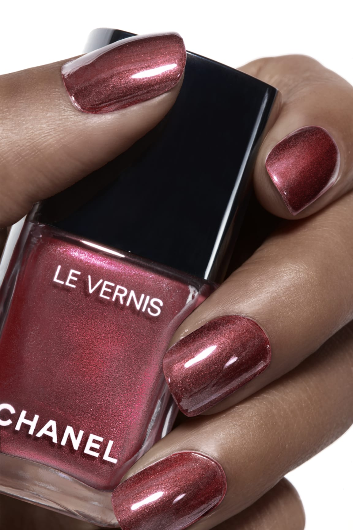 Application makeup visual 1 - LE VERNIS 891 - PERLE BURGUNDY