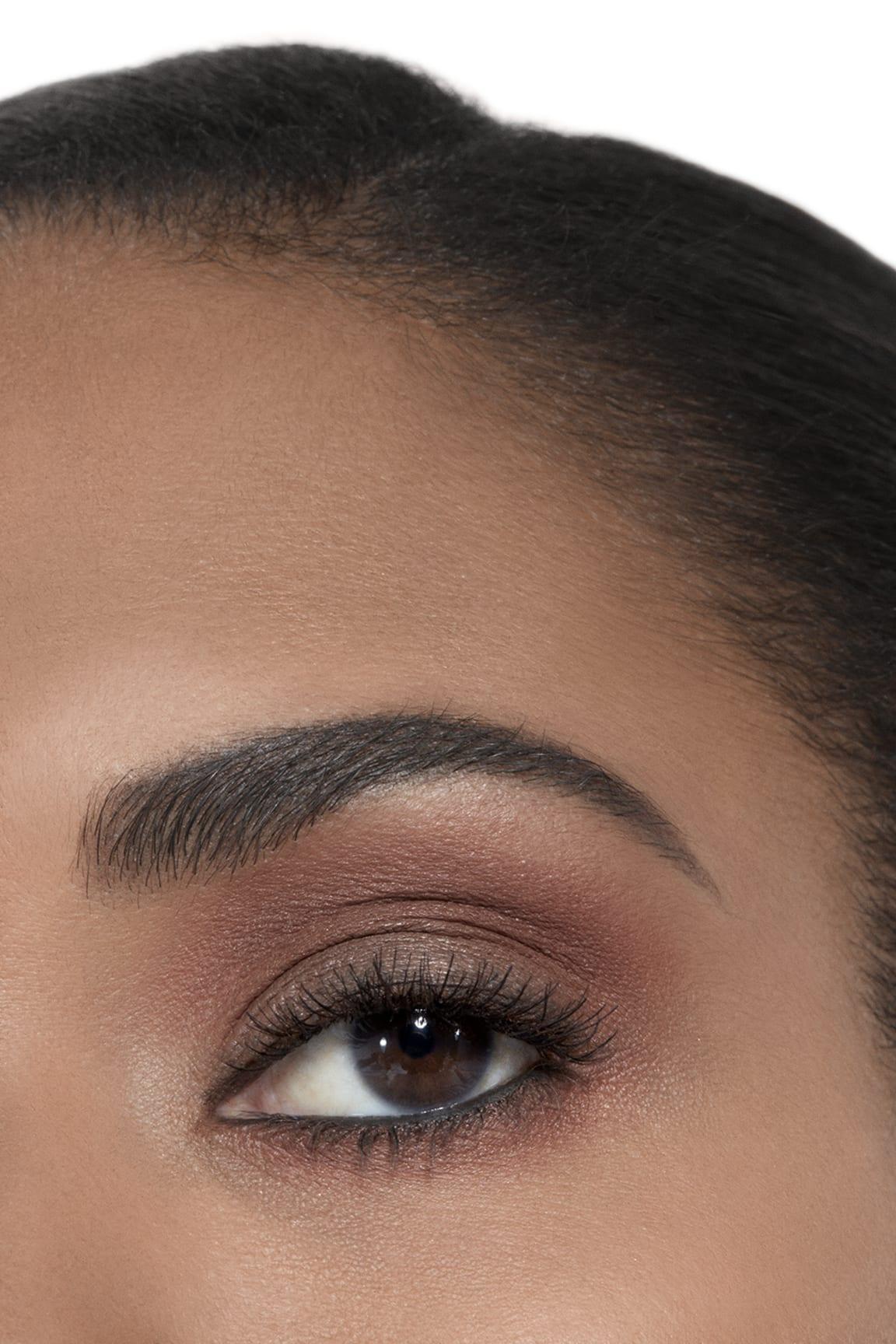 Anwendung Make-up-Bild 2 - LES 4 OMBRES 268 - CANDEUR ET EXPÉRIENCE