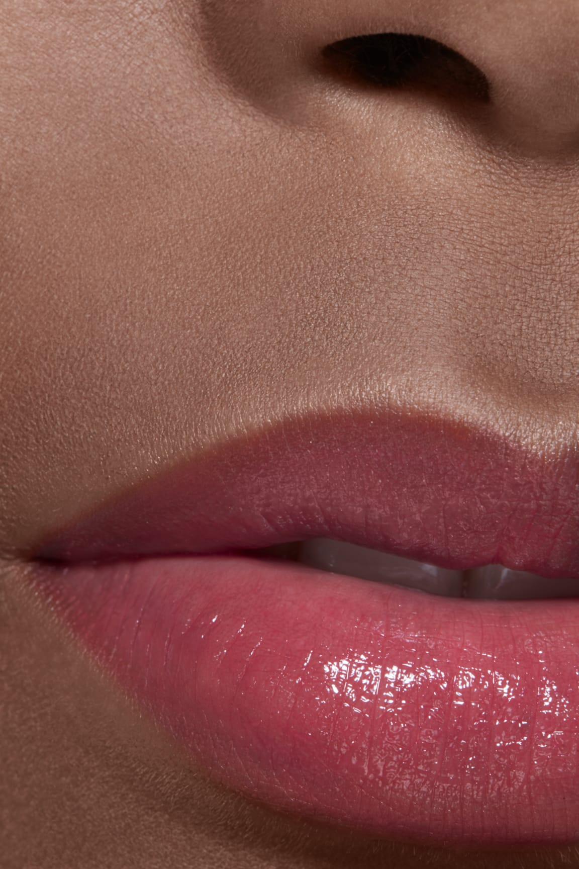 Imagen aplicación de maquillaje 2 - LES BEIGES BAUME À LÈVRES INTENSE