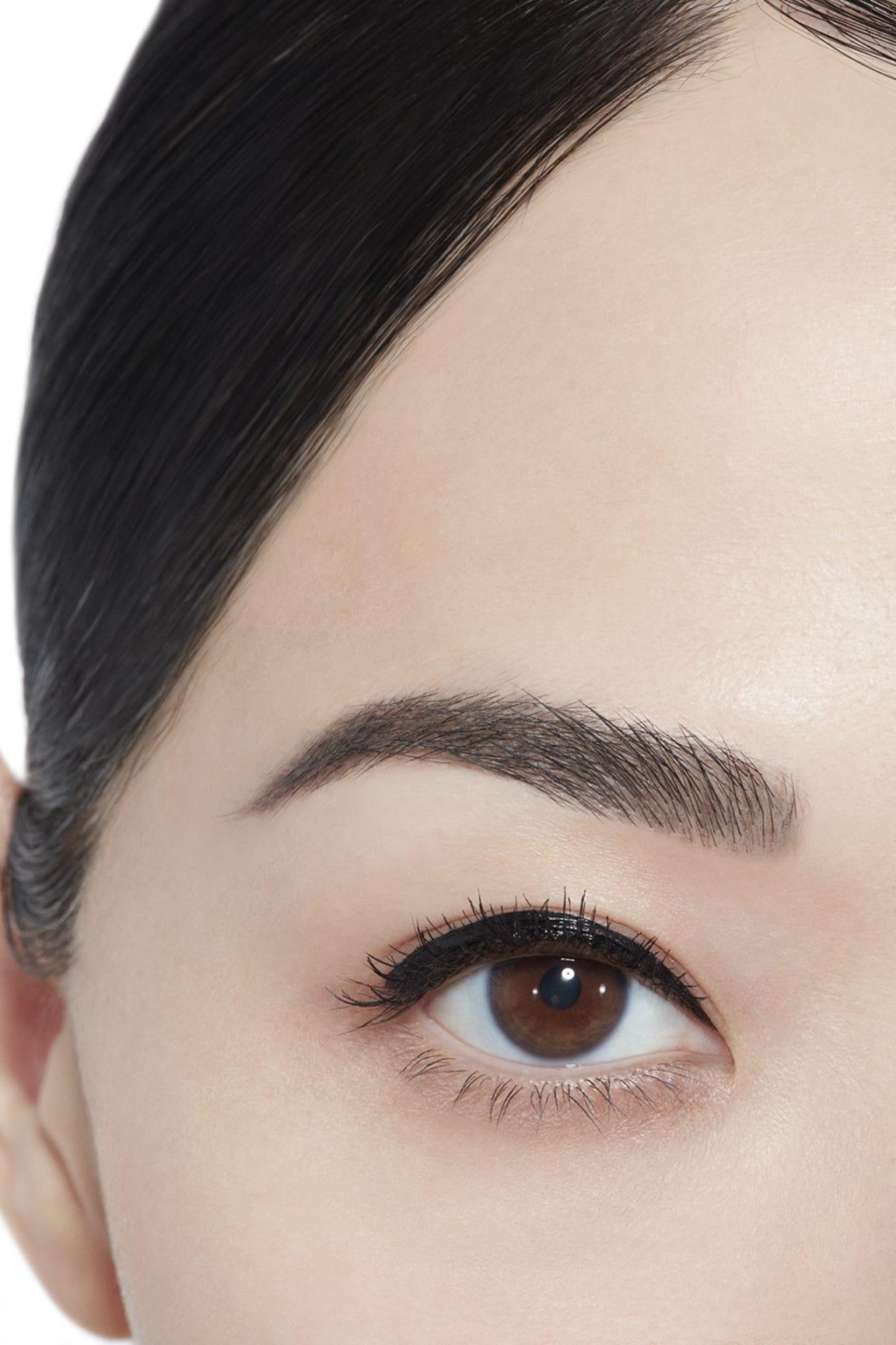 彩妝示範圖 1 - 香奈兒眼線液系列 10 - NOIR-NOIR