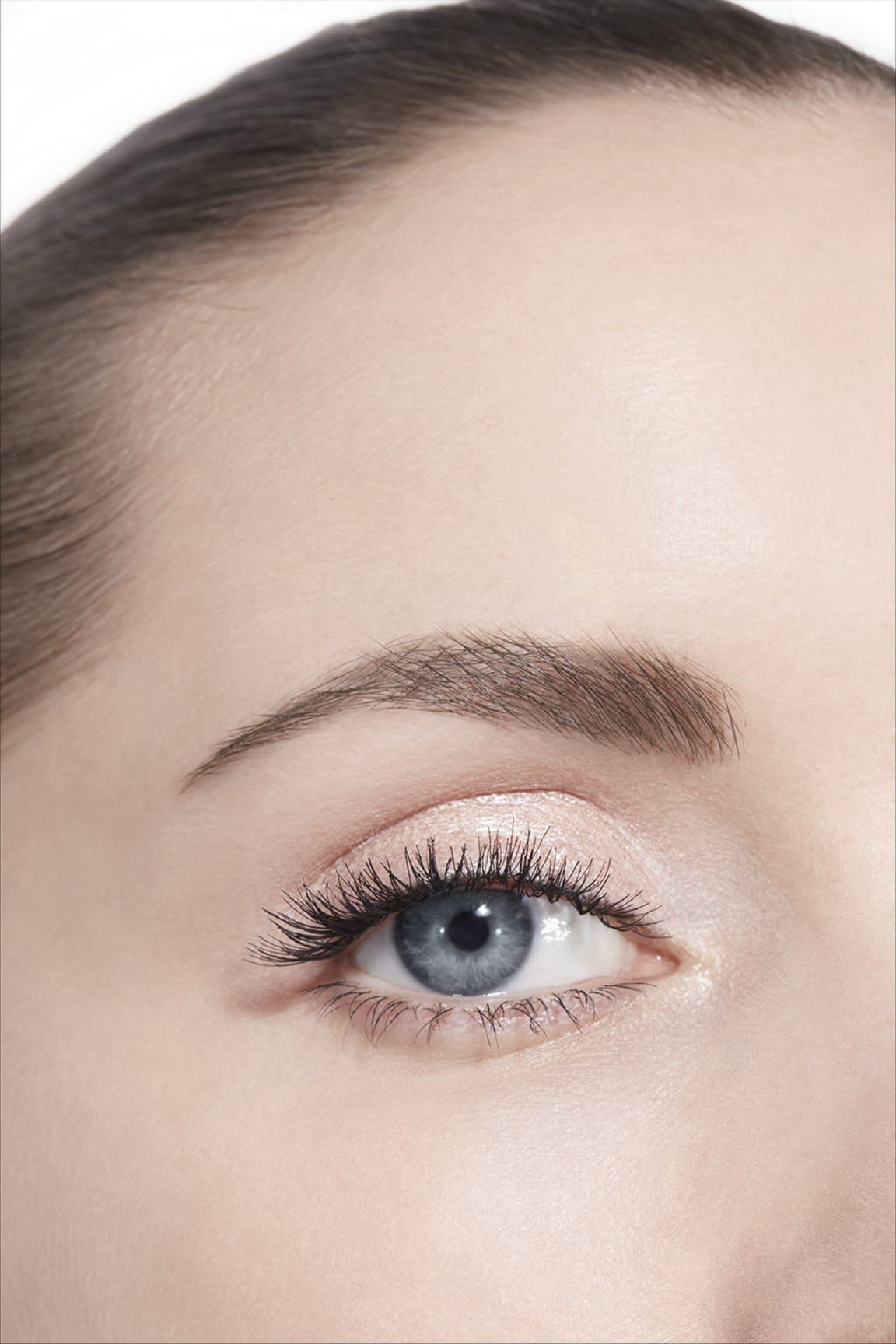 Application makeup visual 3 - OMBRE PREMIÈRE LAQUE 22 - RAYON