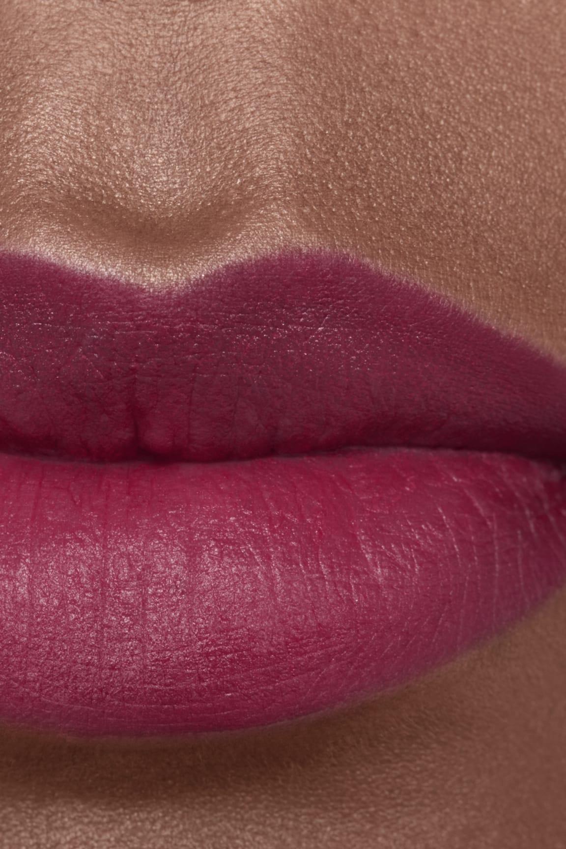 Application makeup visual 2 - ROUGE ALLURE CAMÉLIA 617 - ROUGE ALLURE VELVET CAMÉLIA GRENAT