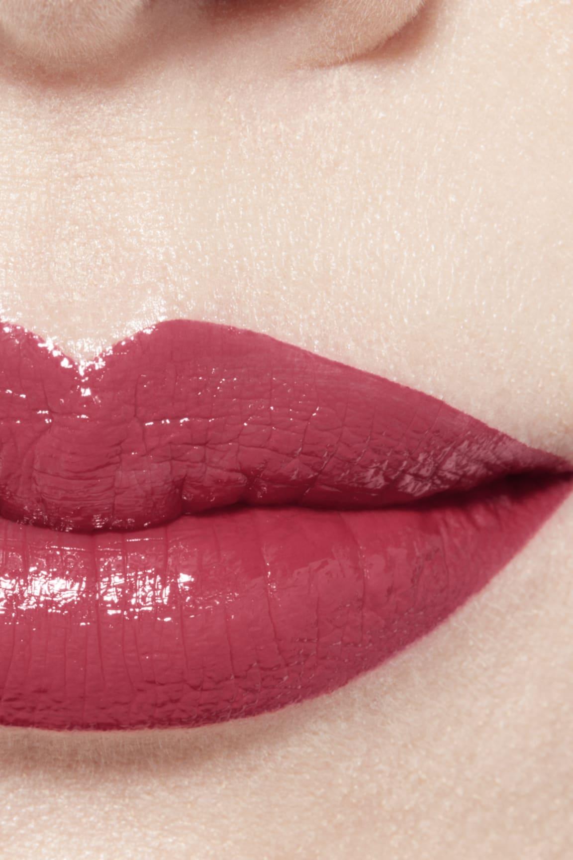 Imagen aplicación de maquillaje 1 - ROUGE ALLURE LAQUE 64 - EXIGENCE