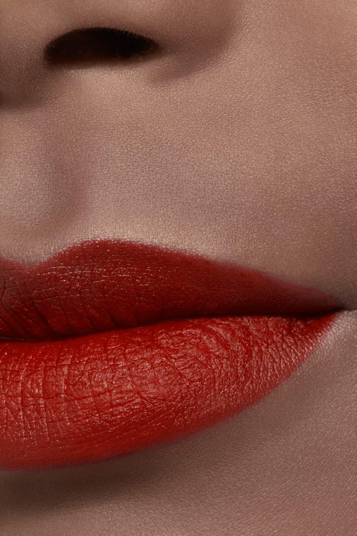 Application makeup visual 2 - ROUGE ALLURE VELVET LE LION DE CHANEL 277 - ROUGE FAUVE