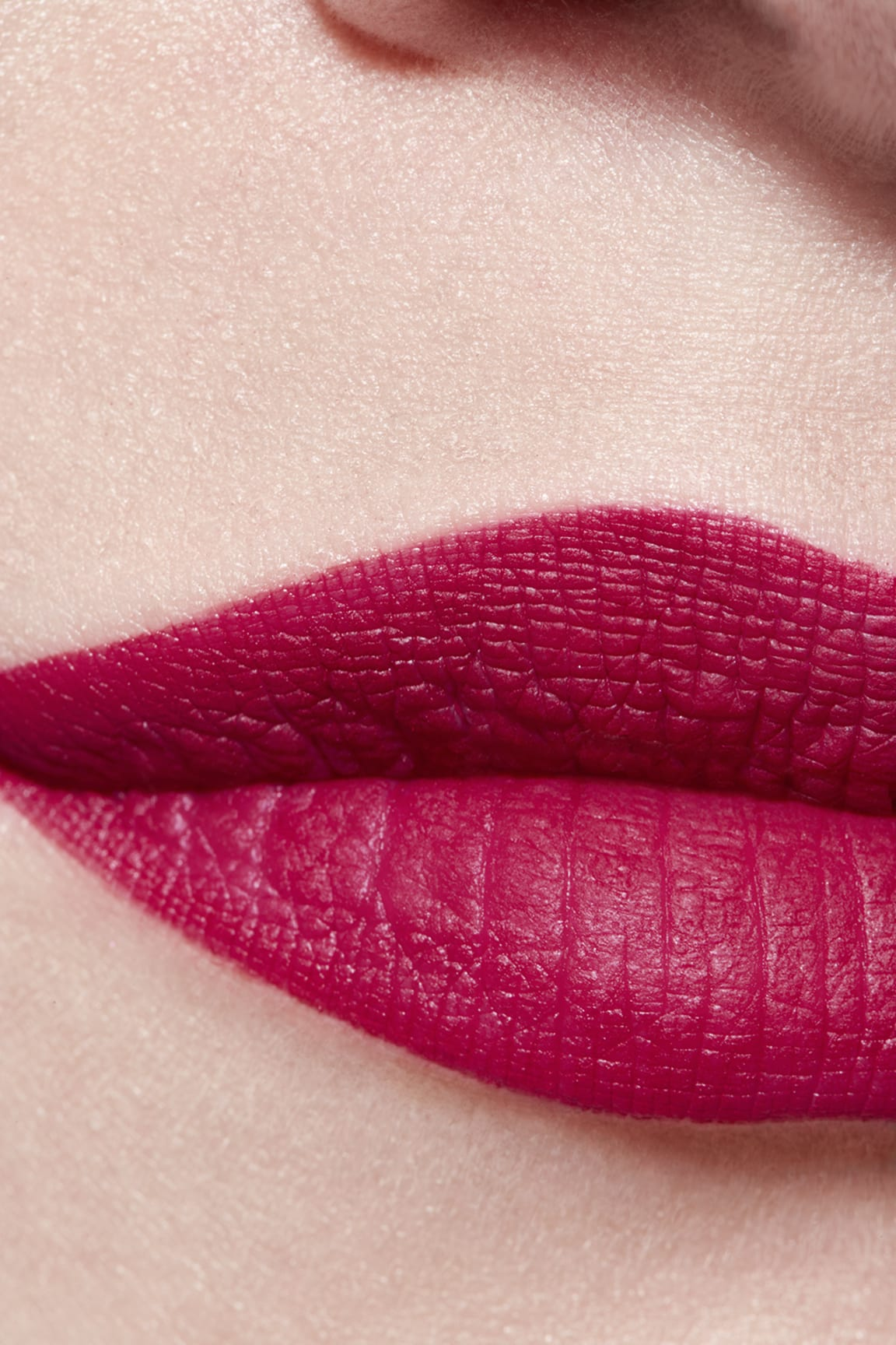 Application makeup visual 3 - ROUGE ALLURE VELVET 38 - LA FASCINANTE