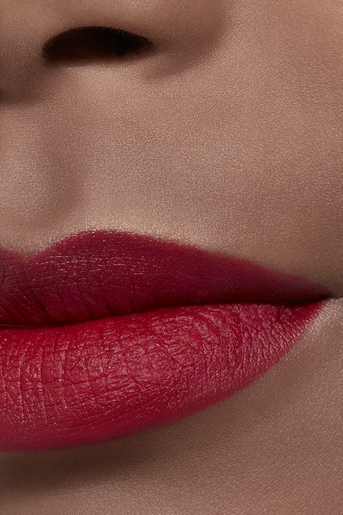 Application makeup visual 2 - ROUGE ALLURE VELVET 56 - ROUGE CHARNEL