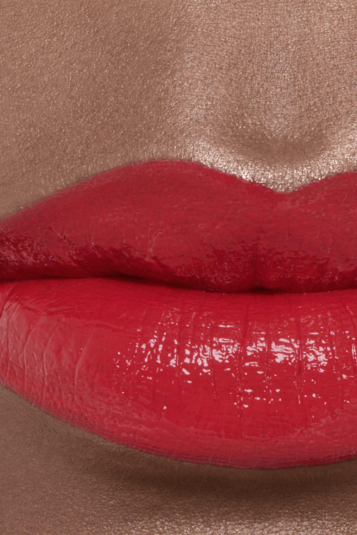 Anwendung Make-up-Bild 2 - ROUGE COCO BLOOM 130 - BLOSSOM
