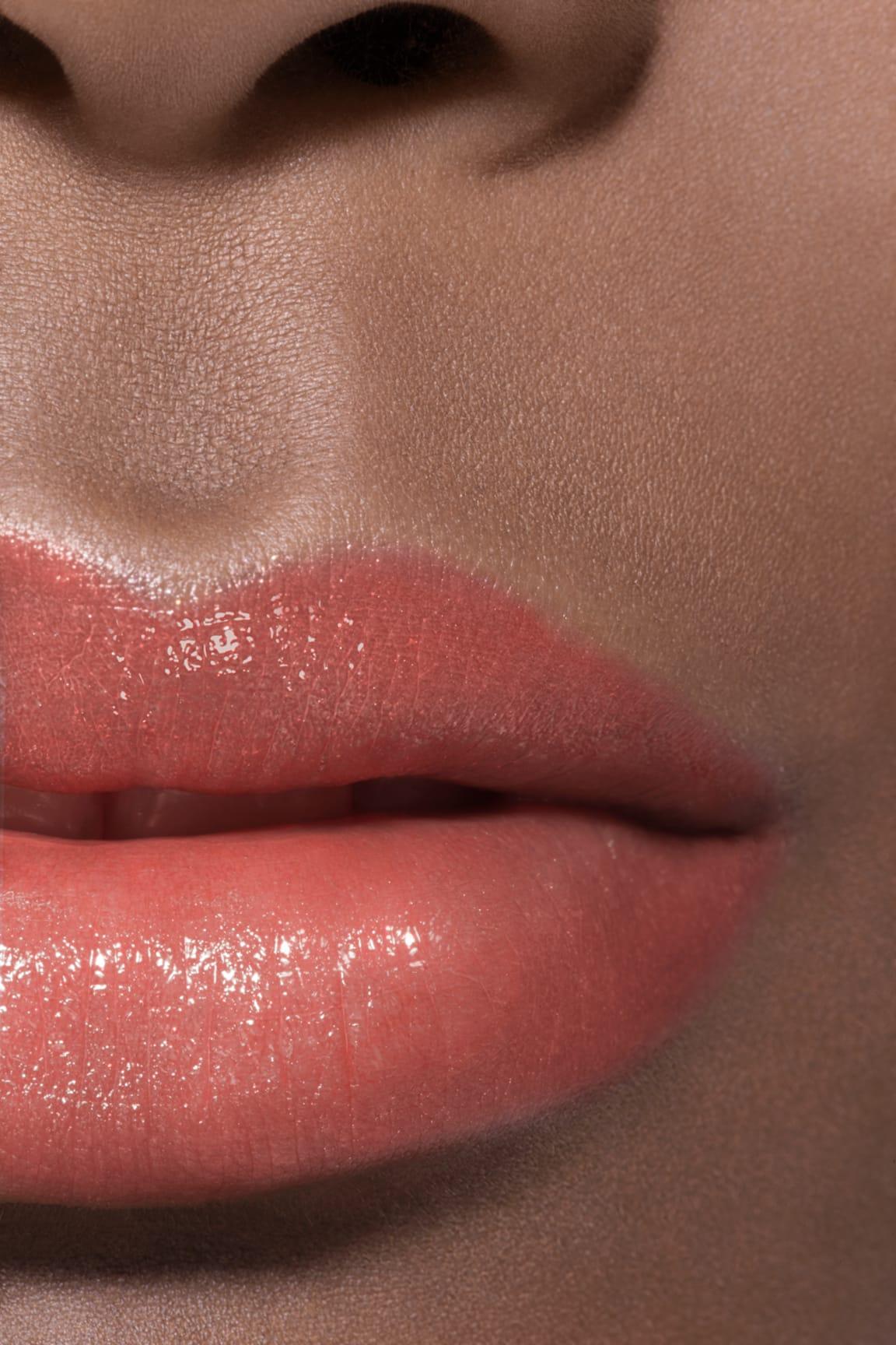 Anwendung Make-up-Bild 2 - ROUGE COCO FLASH 162 - SUNBEAM