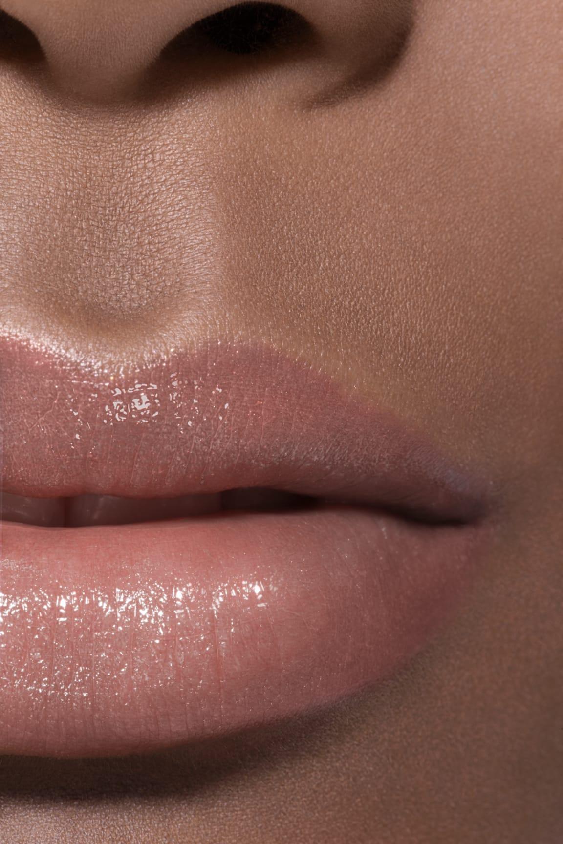 Imagen aplicación de maquillaje 2 - ROUGE COCO FLASH 54 - BOY