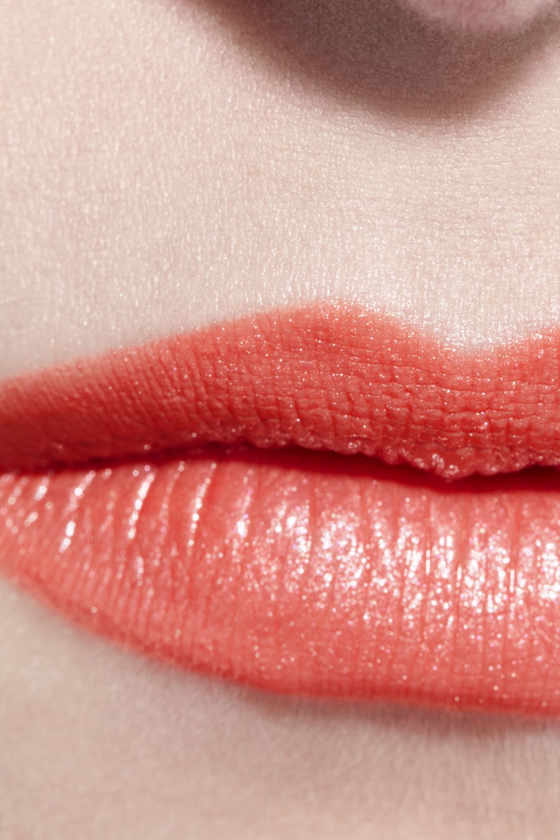 Toepassing make-up visual 3 - ROUGE COCO 414 - SARI DORÉ