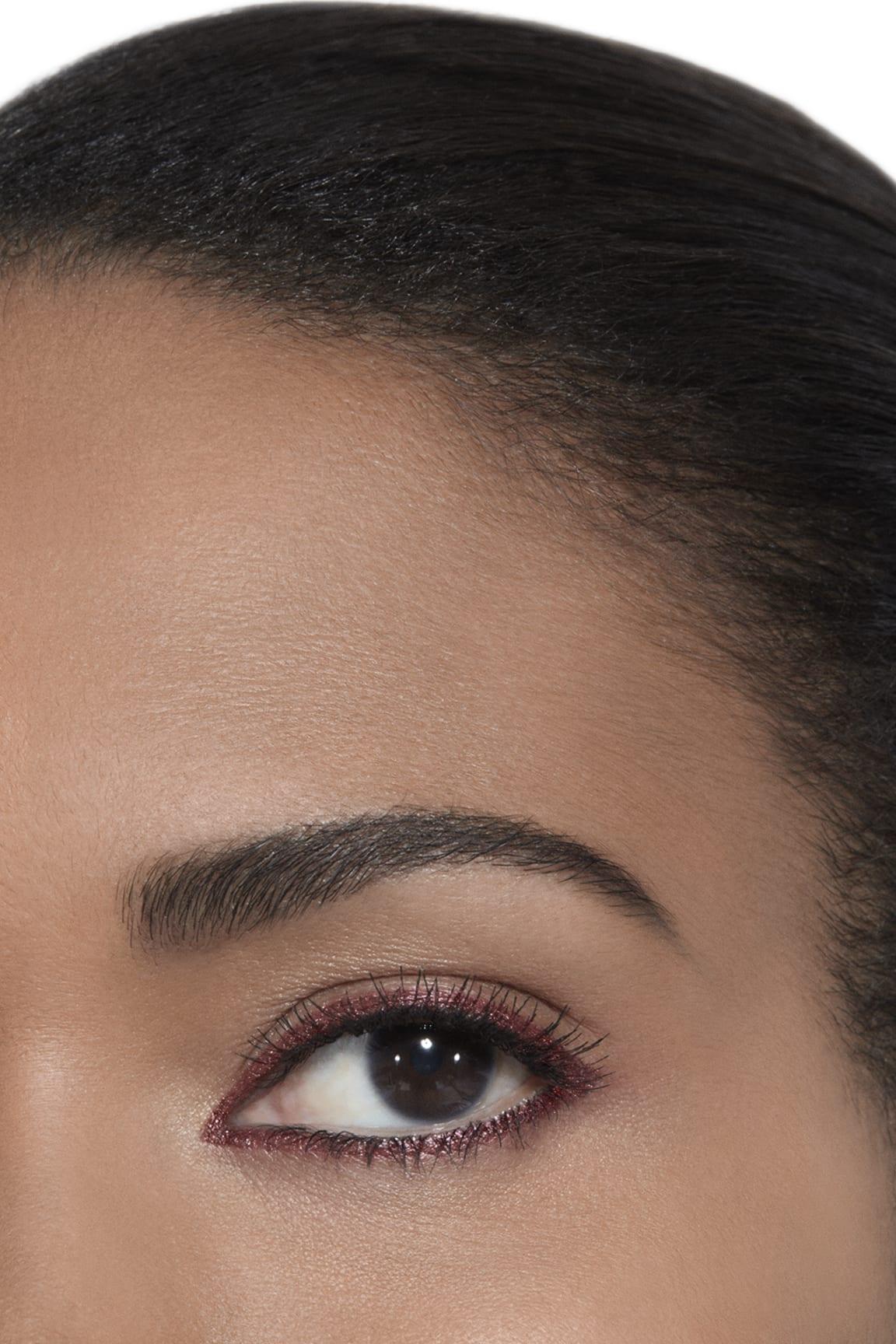 Anwendung Make-up-Bild 2 - STYLO YEUX WATERPROOF 54 - ROSE CUIVRÉ