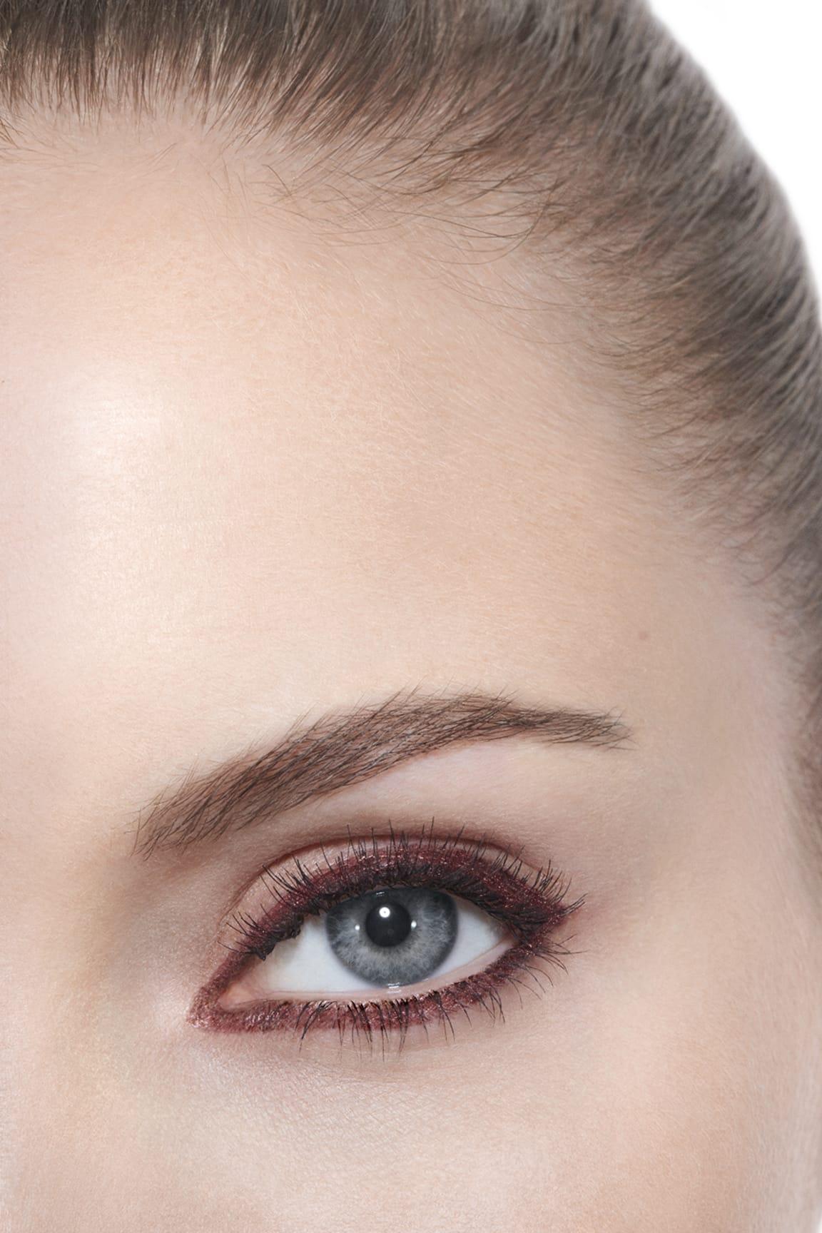 Anwendung Make-up-Bild 3 - STYLO YEUX WATERPROOF 54 - ROSE CUIVRÉ
