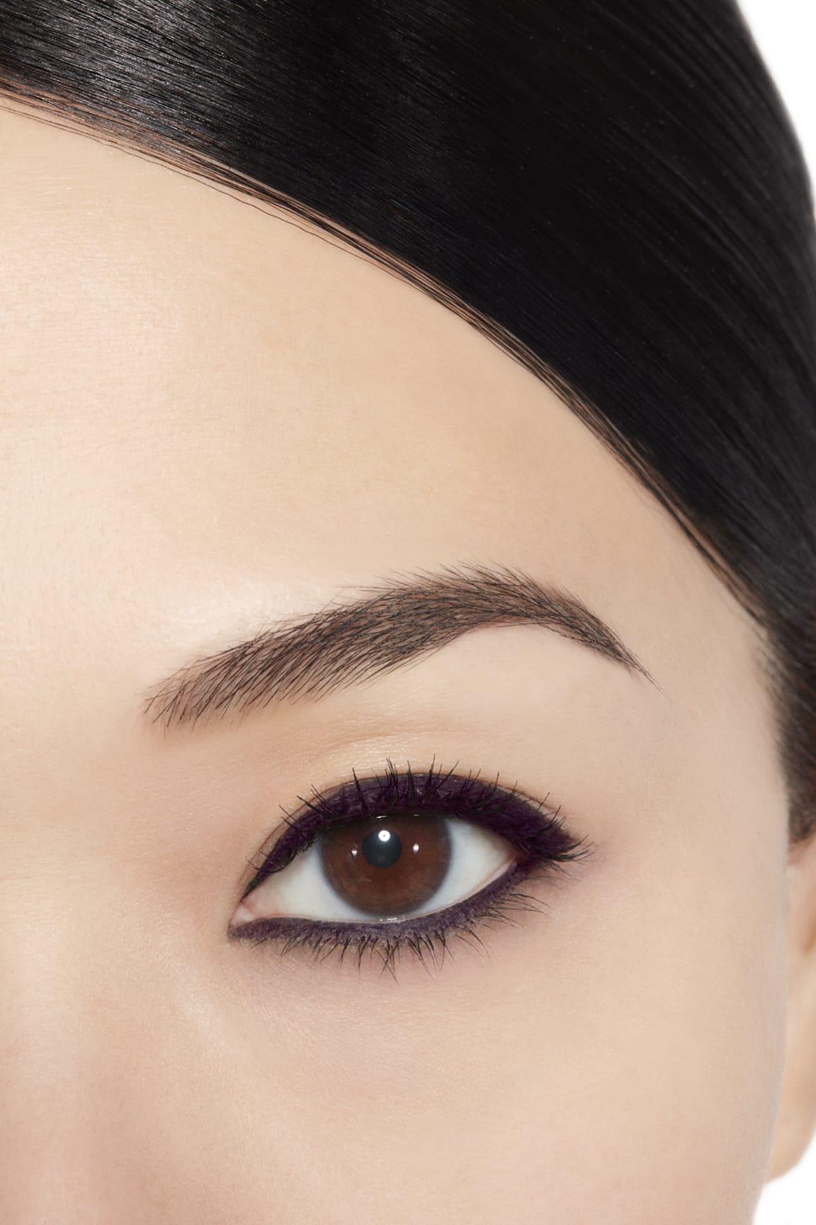 Application makeup visual 1 - STYLO YEUX WATERPROOF 83 - CASSIS