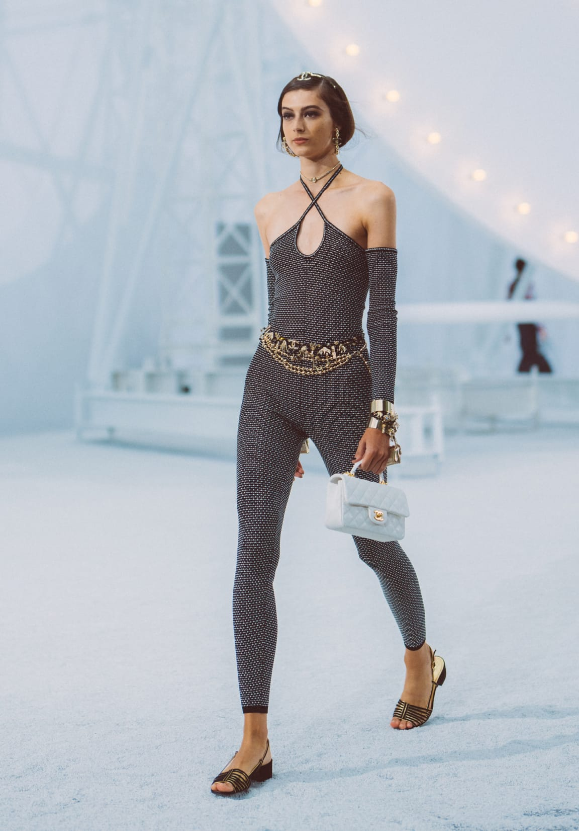 zoom - Image 1 - Look 8