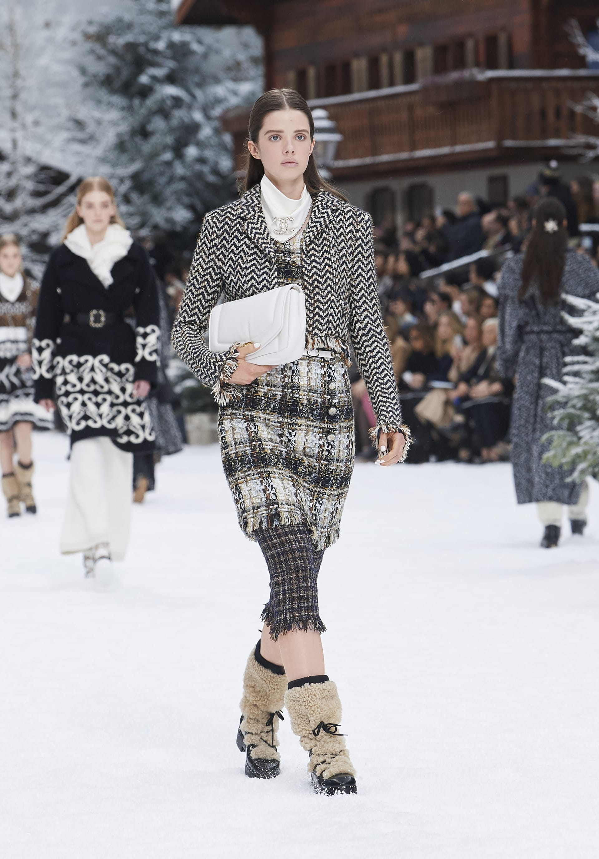 View 1 - Look 20 - Fall-Winter 2019/20