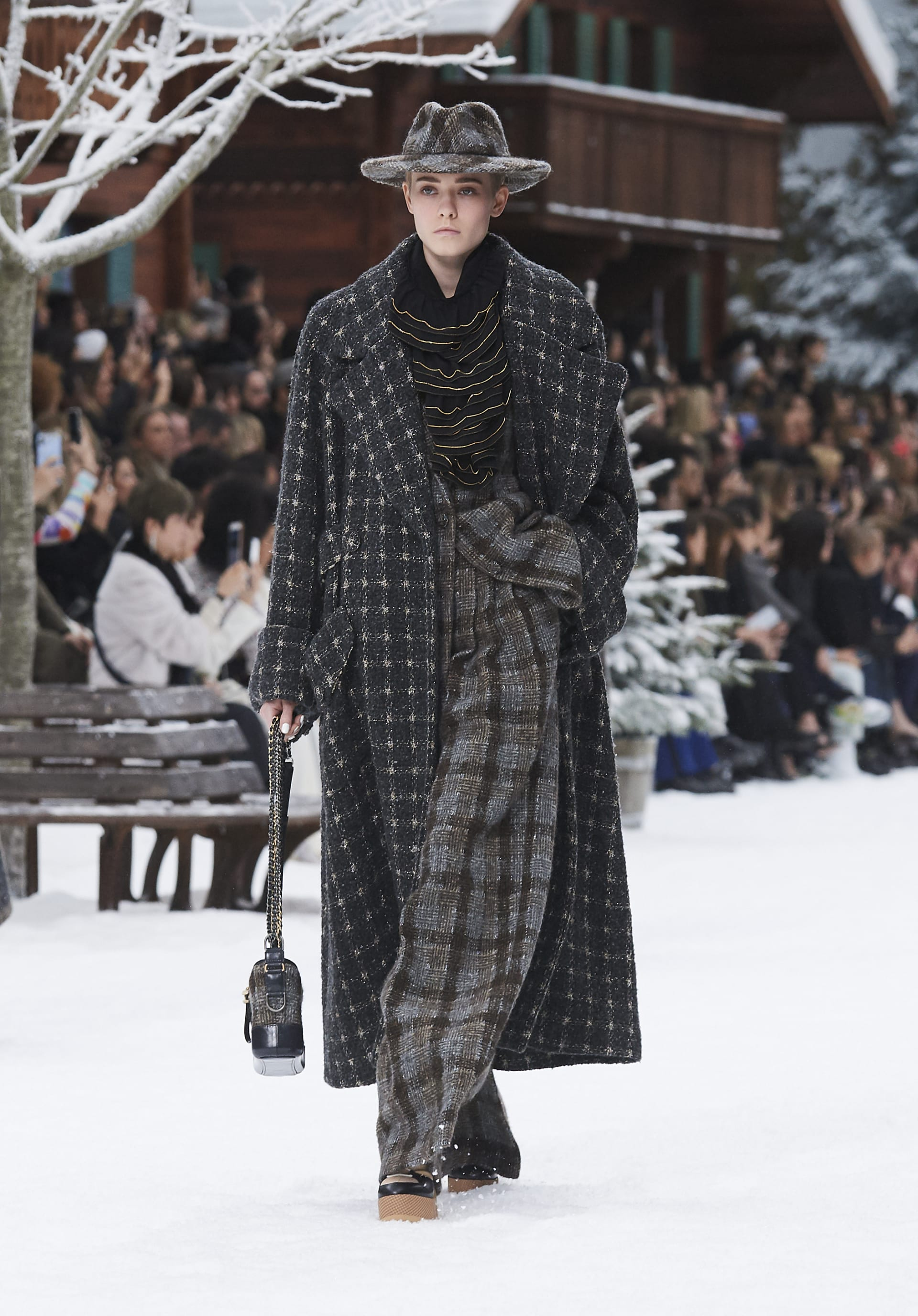 View 1 - Look 3 - Fall-Winter 2019/20