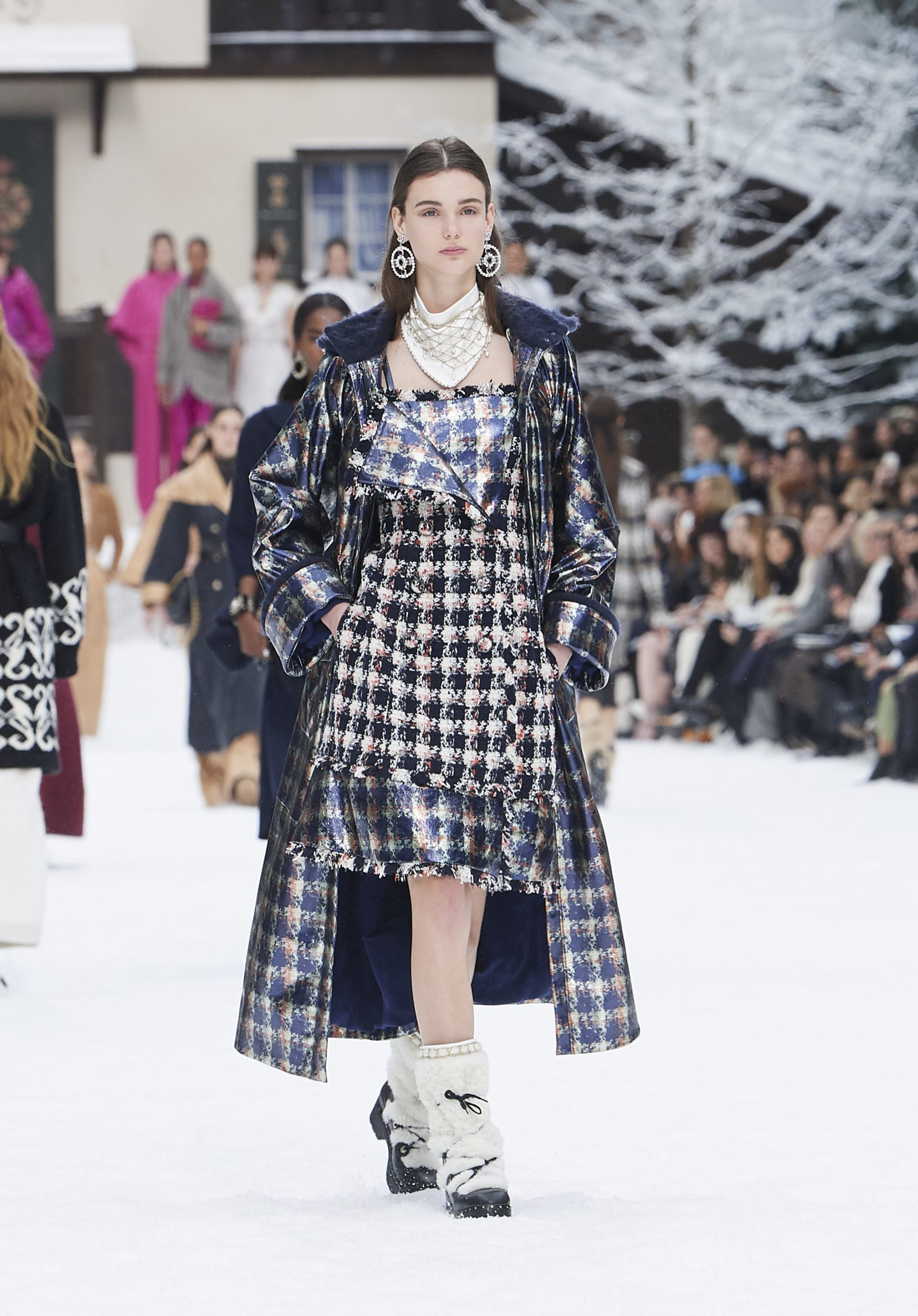 View 1 - Look 32 - Fall-Winter 2019/20