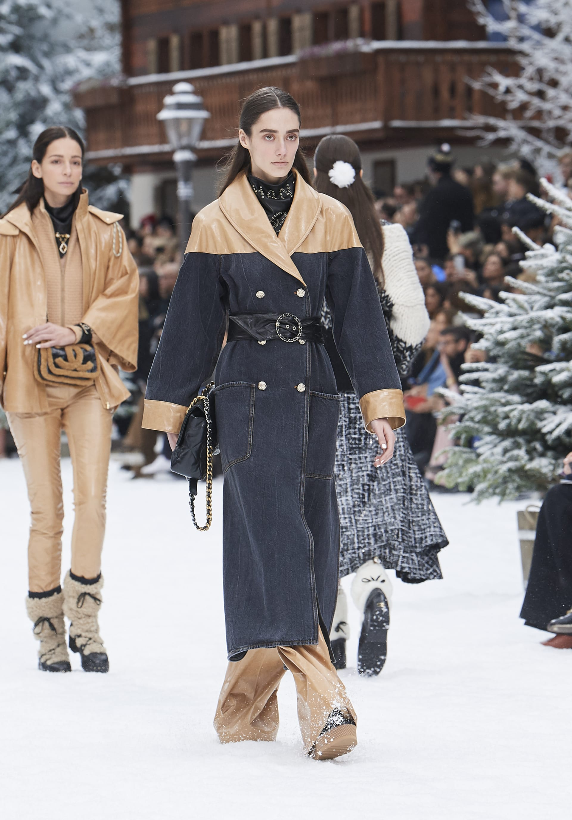 View 1 - Look 35 - Fall-Winter 2019/20