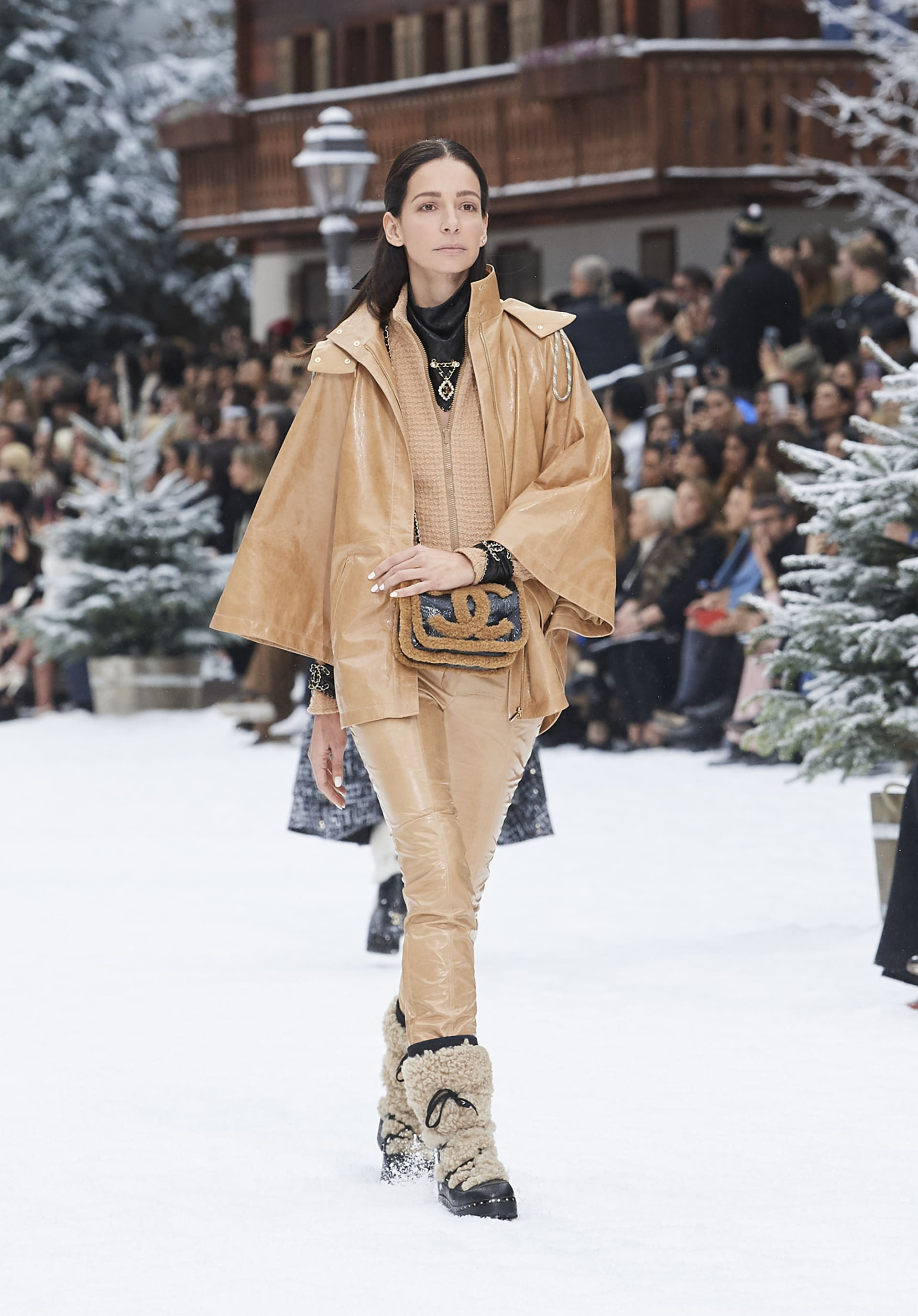View 1 - Look 36 - Fall-Winter 2019/20
