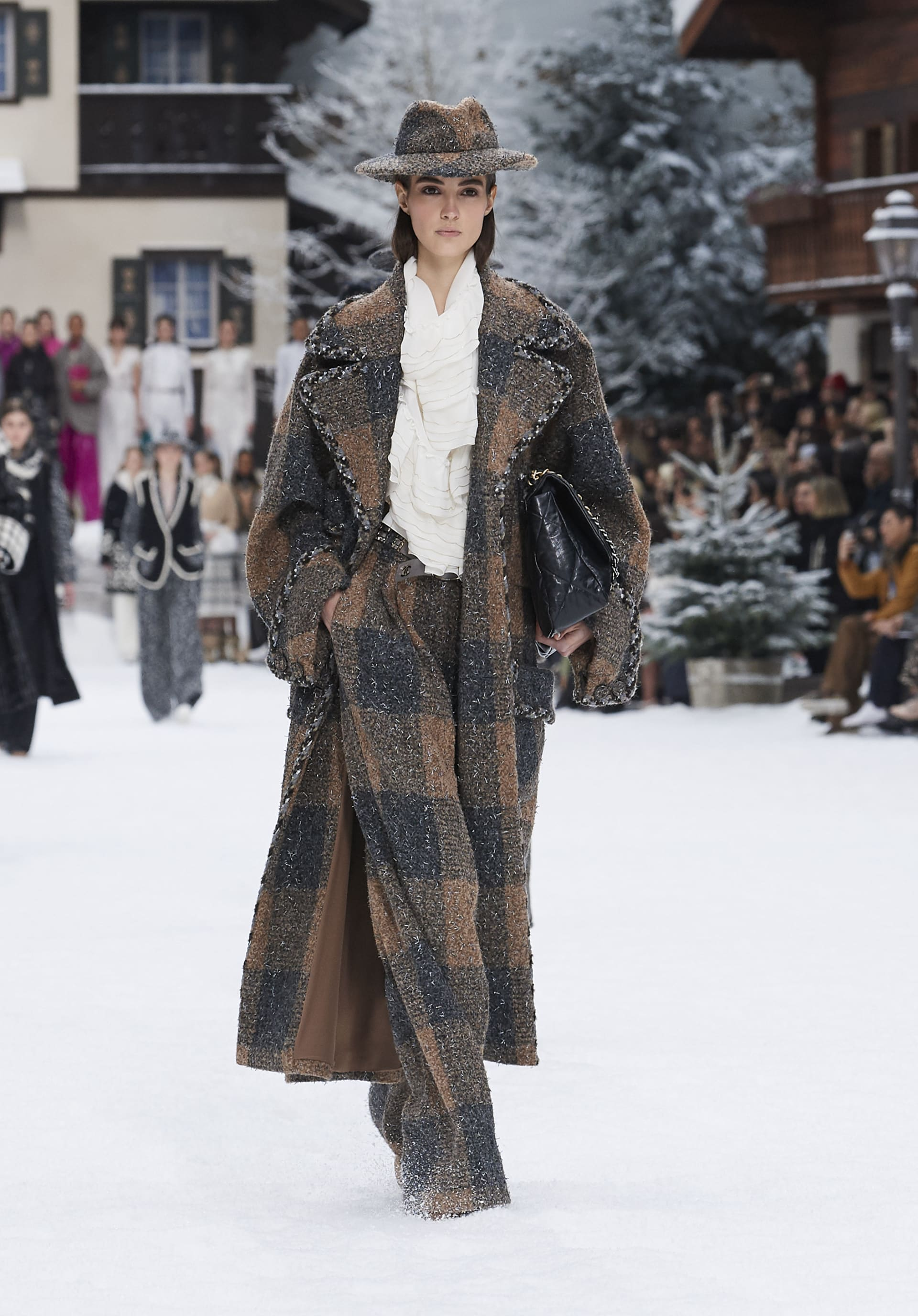 View 1 - Look 4 - Fall-Winter 2019/20