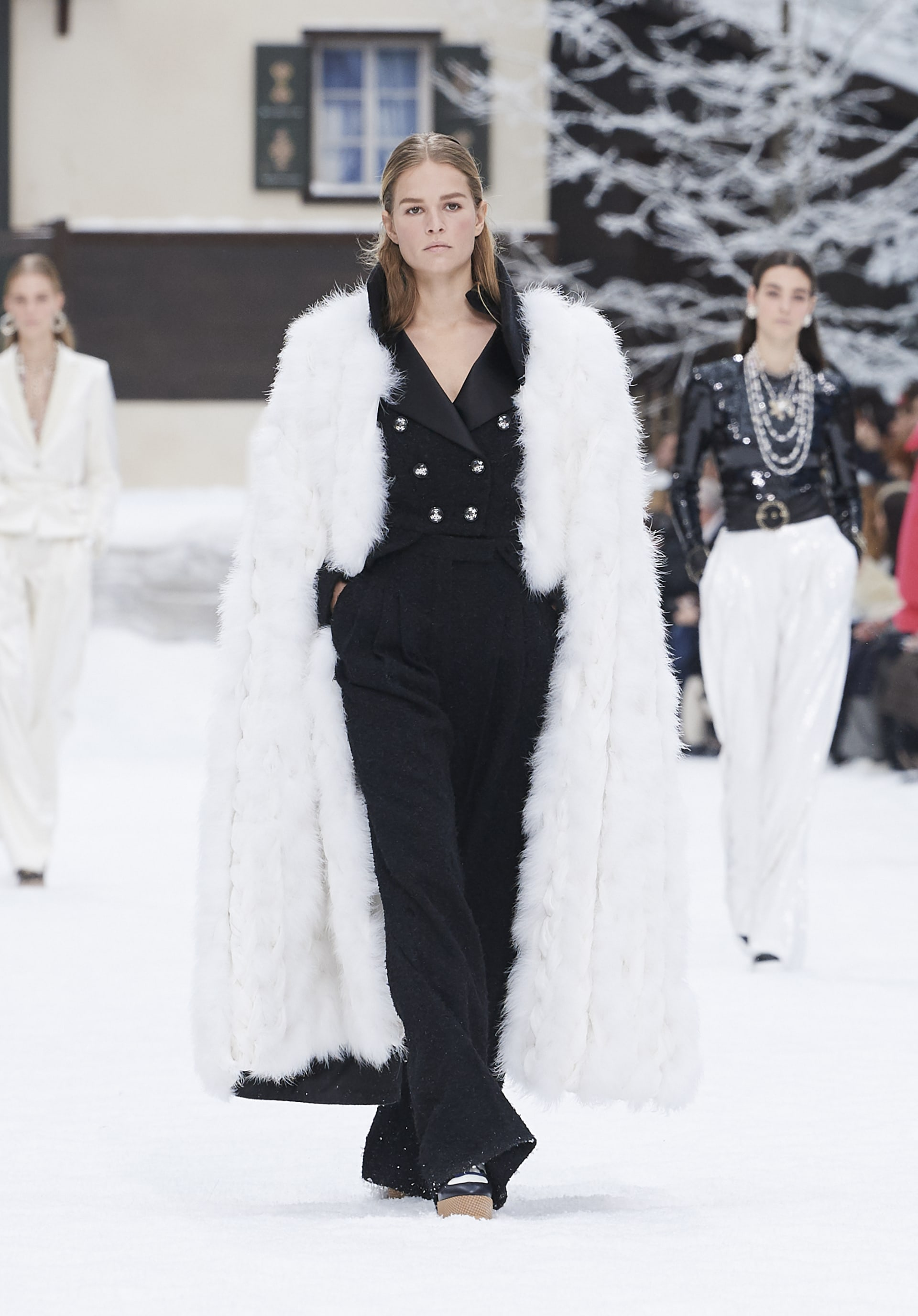 View 1 - Look 59 - Fall-Winter 2019/20