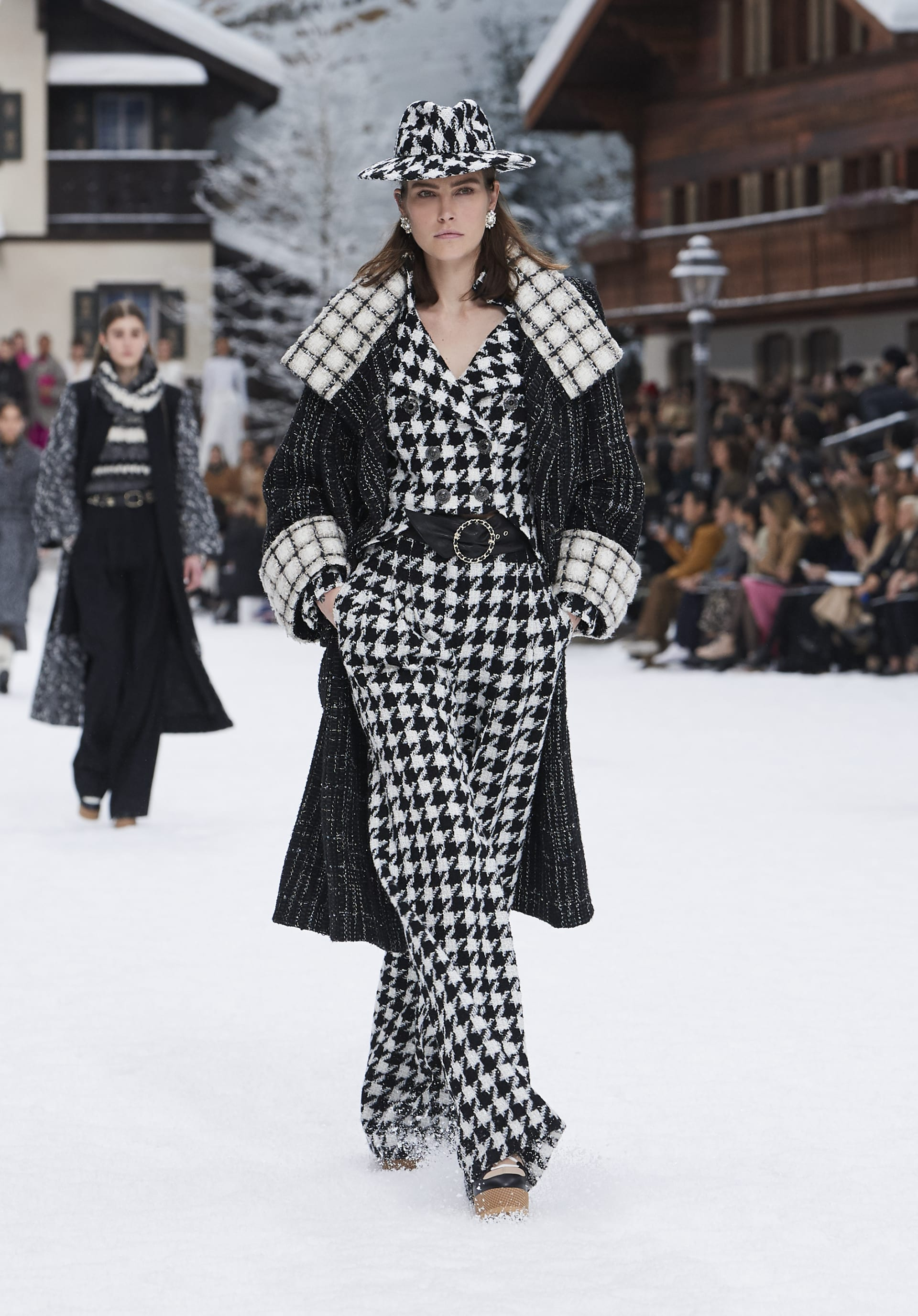 View 1 - Look 7 - Fall-Winter 2019/20