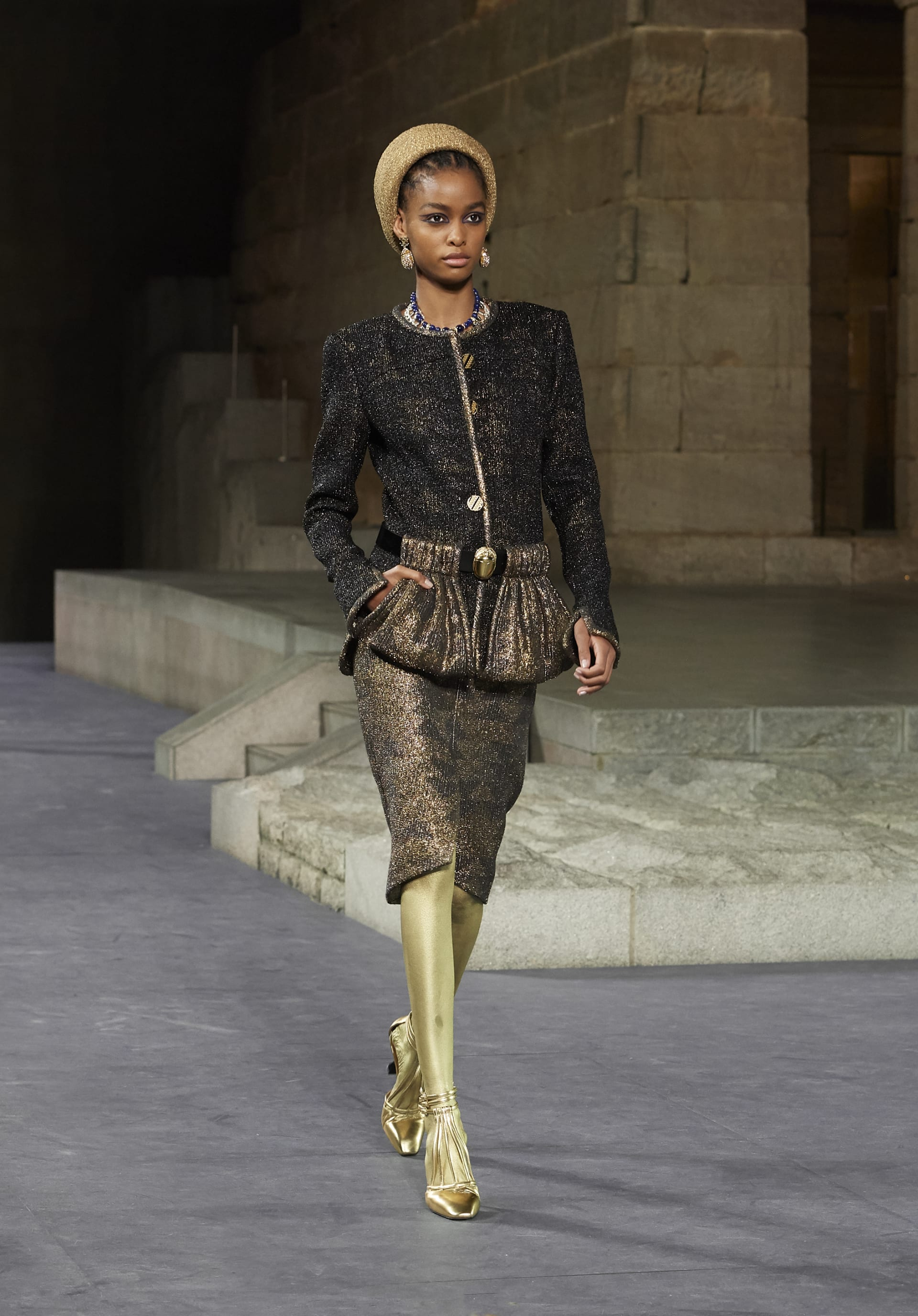 View 1 - Look 17 - Métiers d'Art Paris-New York 2018/19