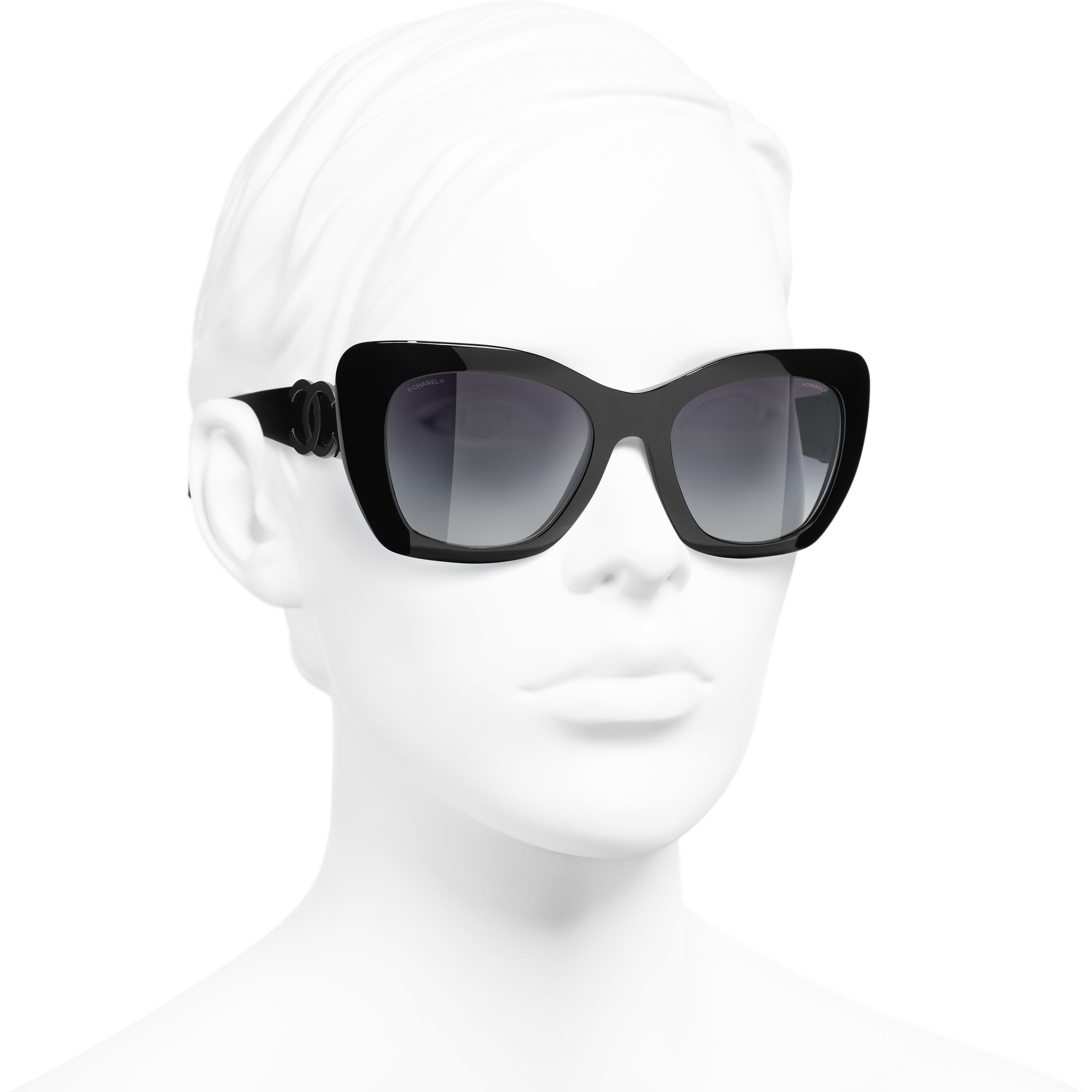 Óculos de sol com formato felino - Preto - Acetato - CHANEL - Vista 3/4 - ver a versão em tamanho standard