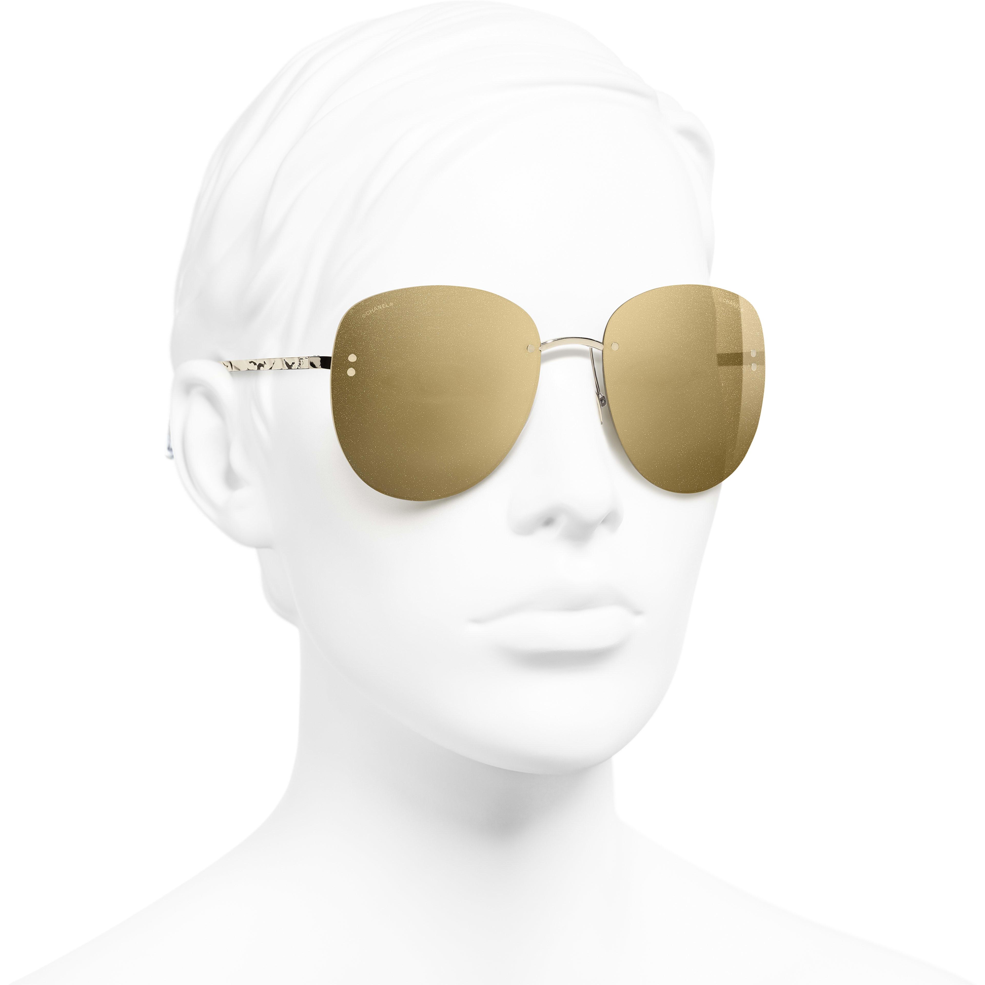 063aea35b2 ... Pilot Sunglasses - Gold - Metal - 18-Karat Gold Lenses - Worn 3
