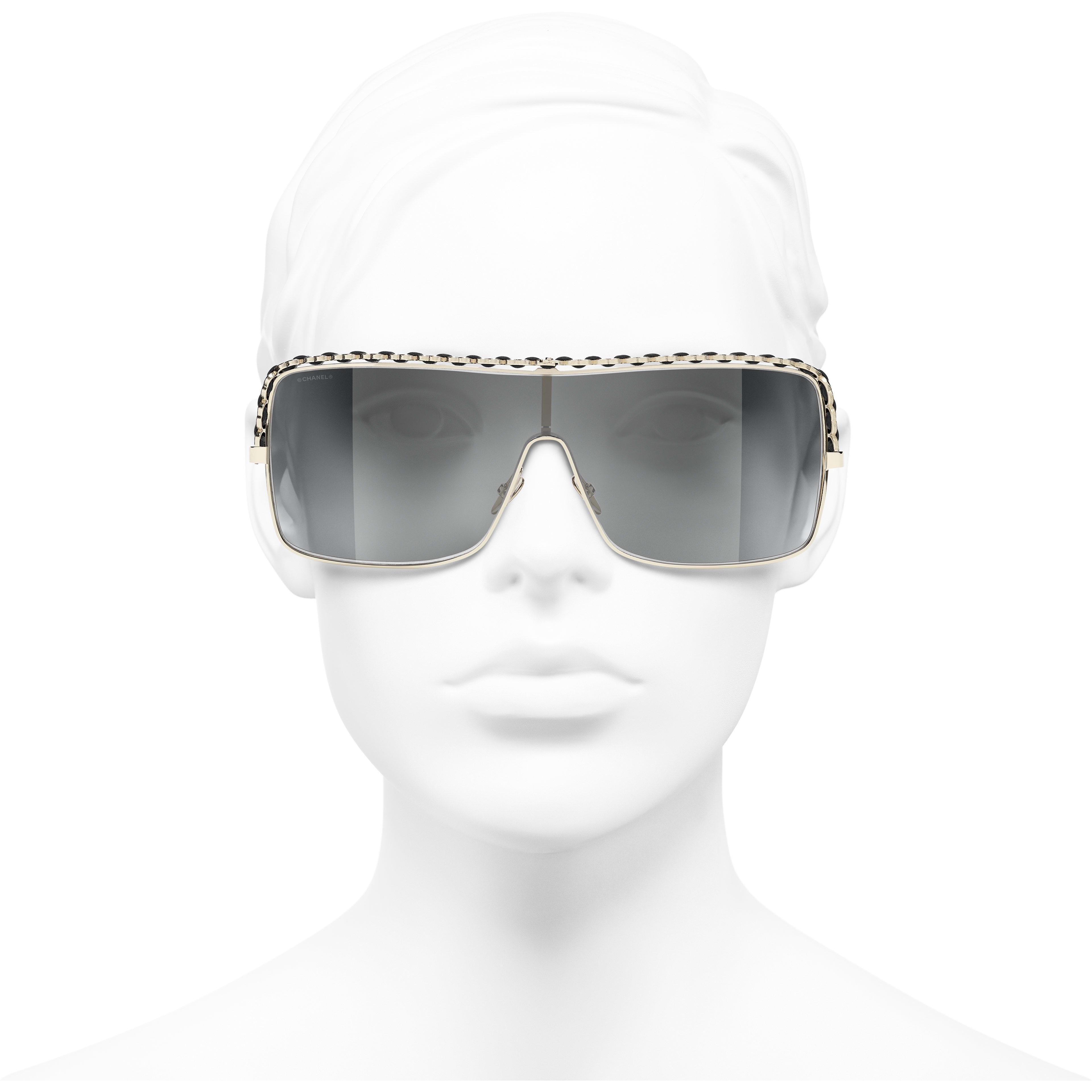 Lunettes Masque - Doré - Métal & veau - CHANEL - Vue de face portée - voir la version taille standard