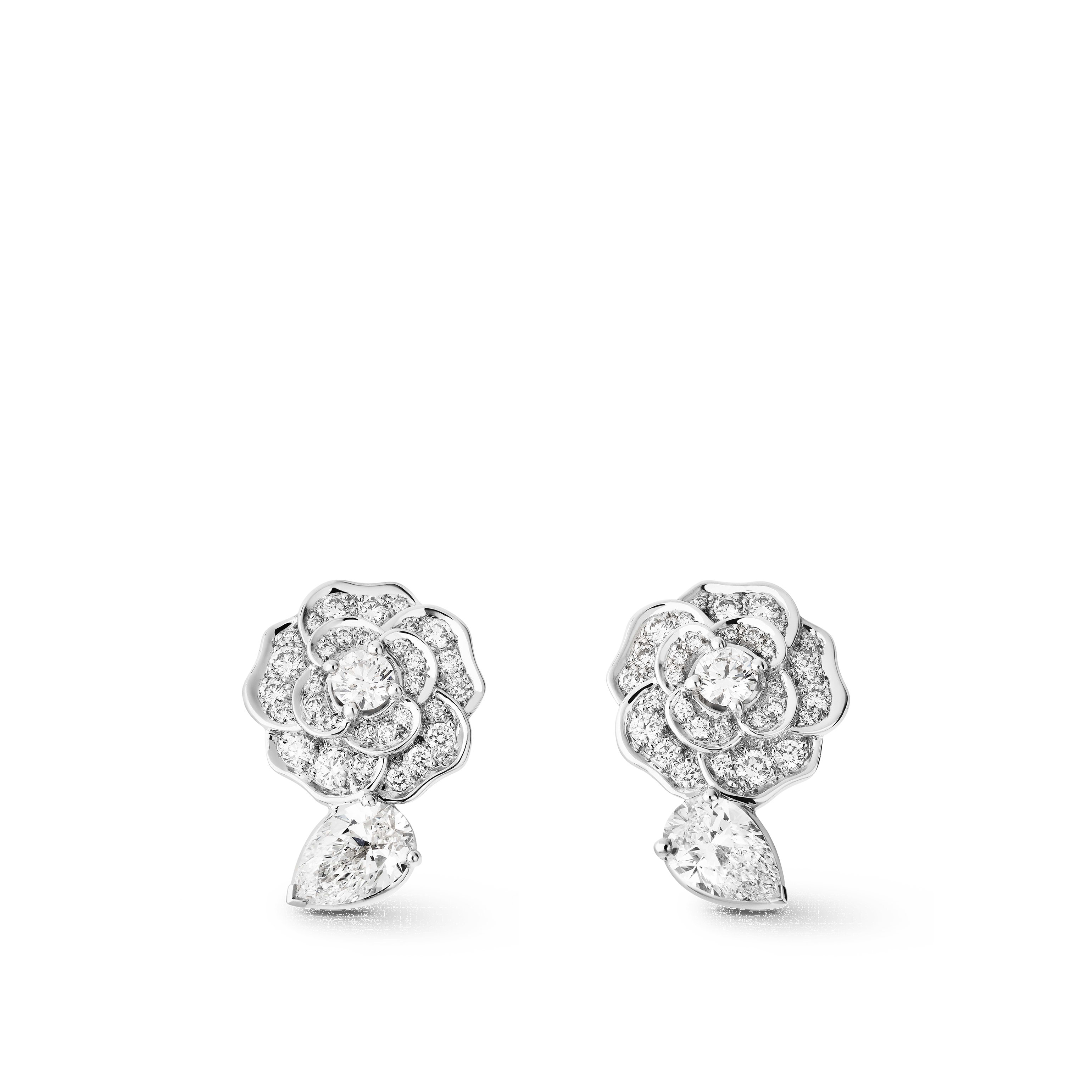 Camélia earrings - Camélia Précieux earrings in 18K white gold and diamonds with centre diamonds - Default view - see standard sized version