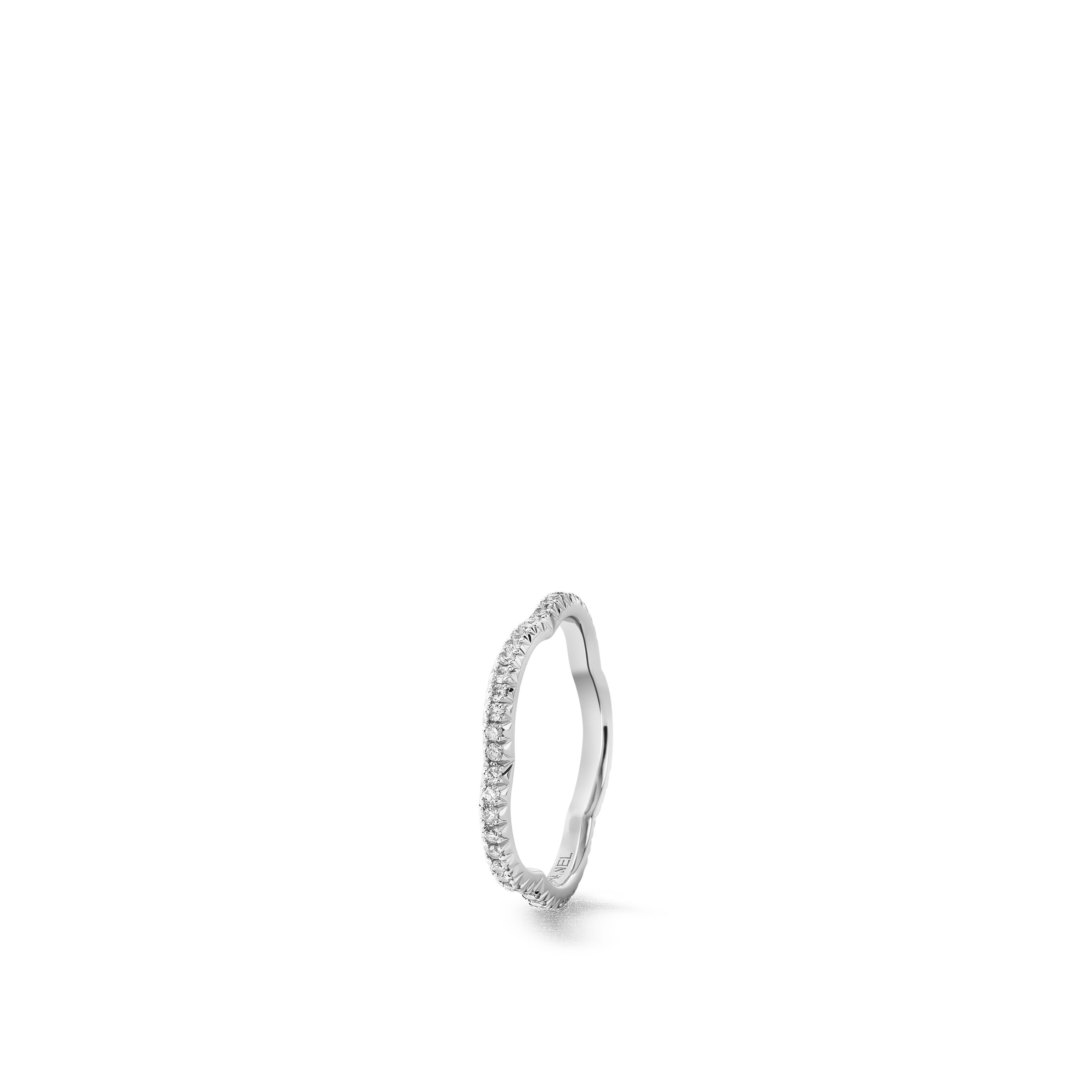 Camélia ring - 18K white gold, diamonds - CHANEL - Default view - see standard sized version