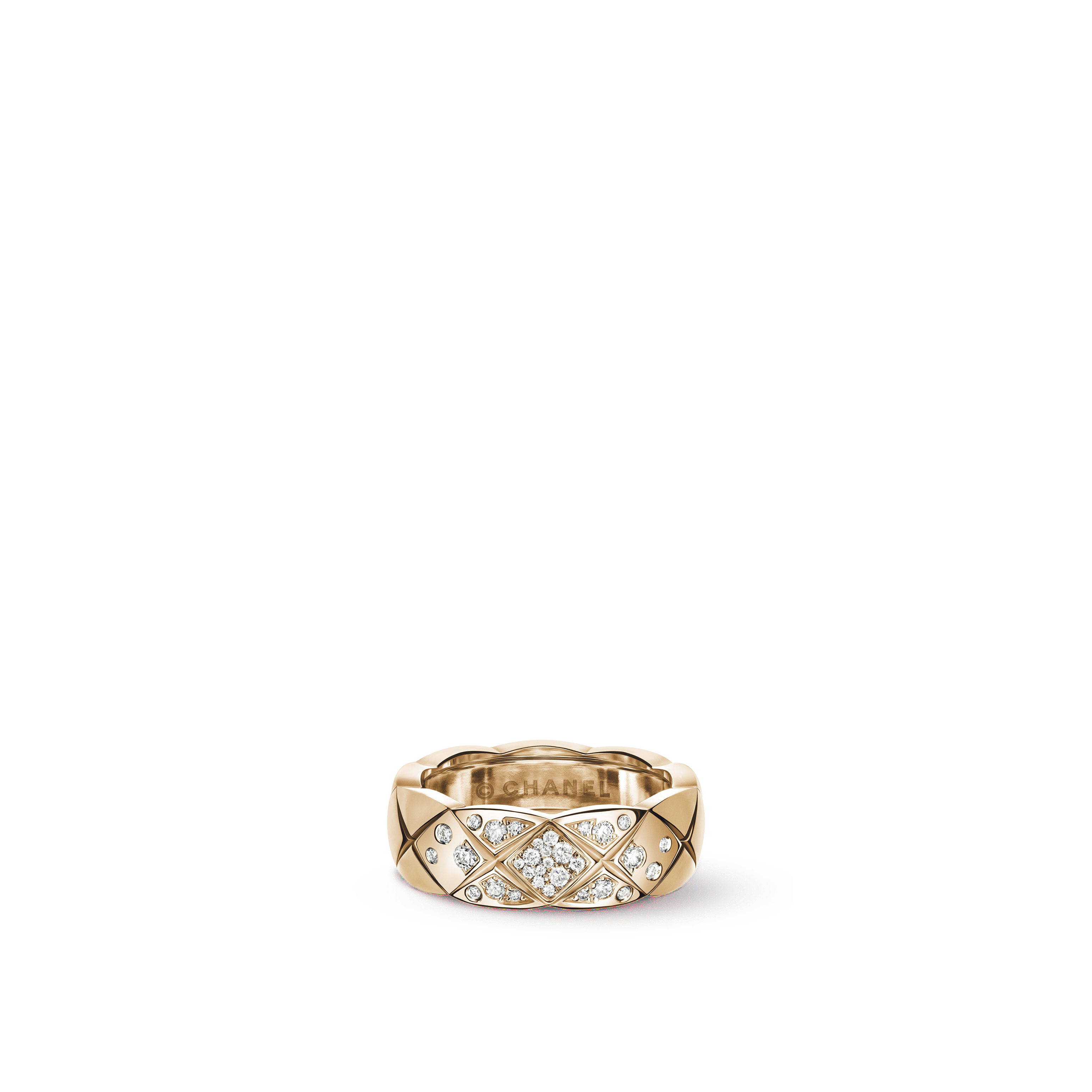 Coco Crush ring - Quilted motif, small version, 18K BEIGE GOLD, diamonds - CHANEL - Default view - see standard sized version