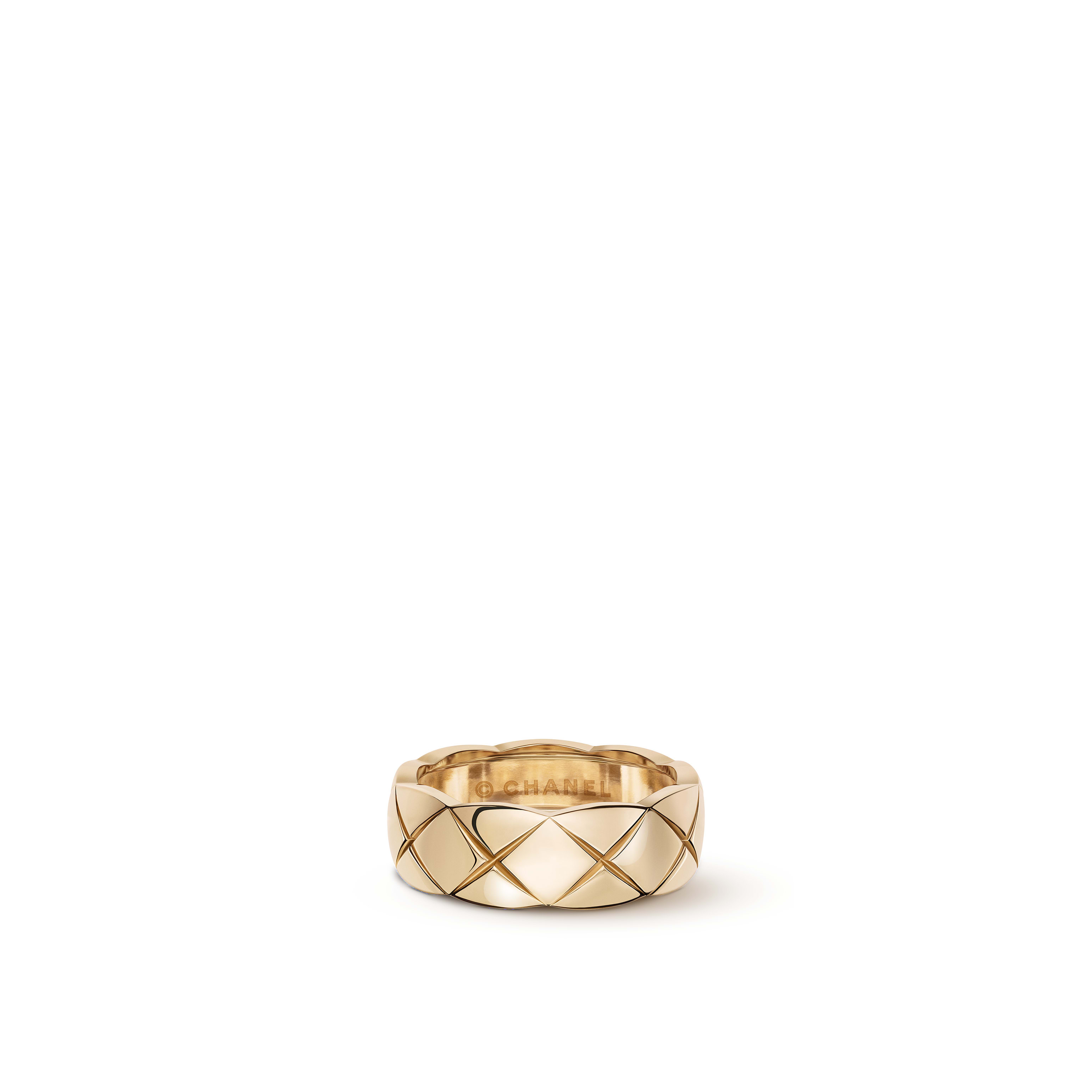 Coco Crush ring - Quilted motif, small version, 18K BEIGE GOLD - CHANEL - Default view - see standard sized version