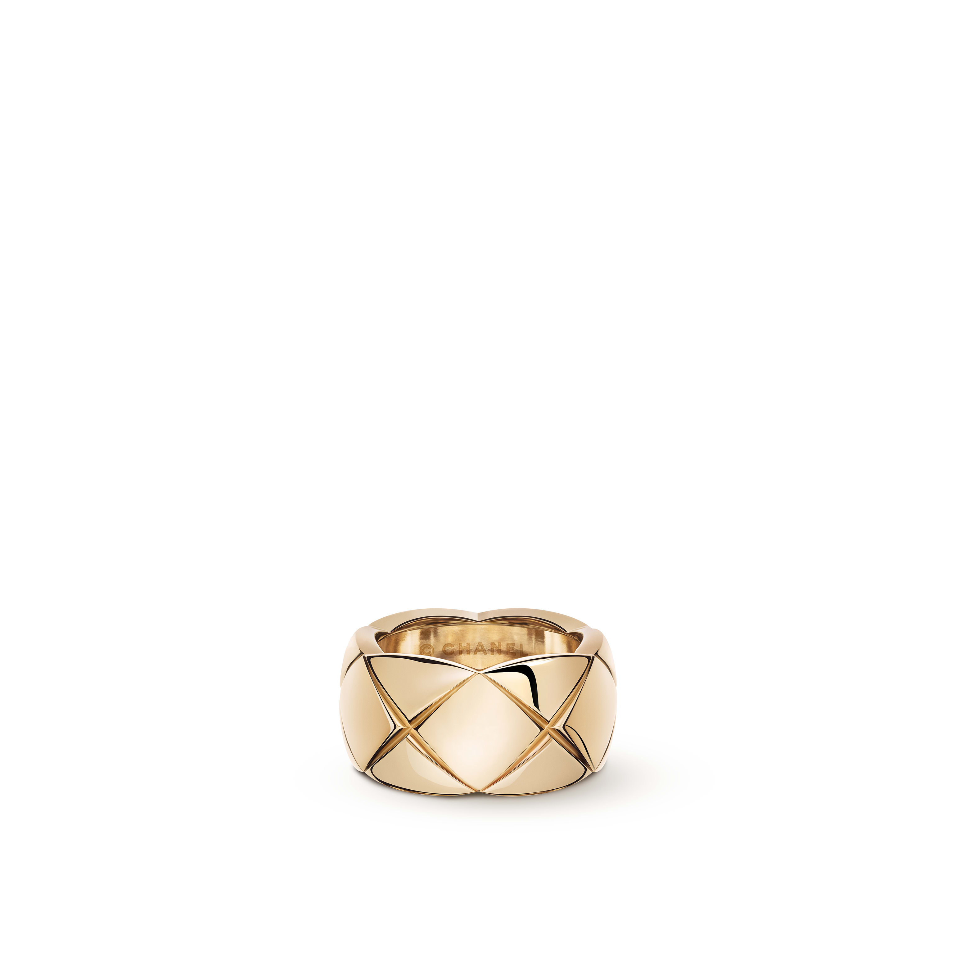 Coco Crush ring - Quilted motif, large version, 18K BEIGE GOLD - CHANEL - Default view - see standard sized version