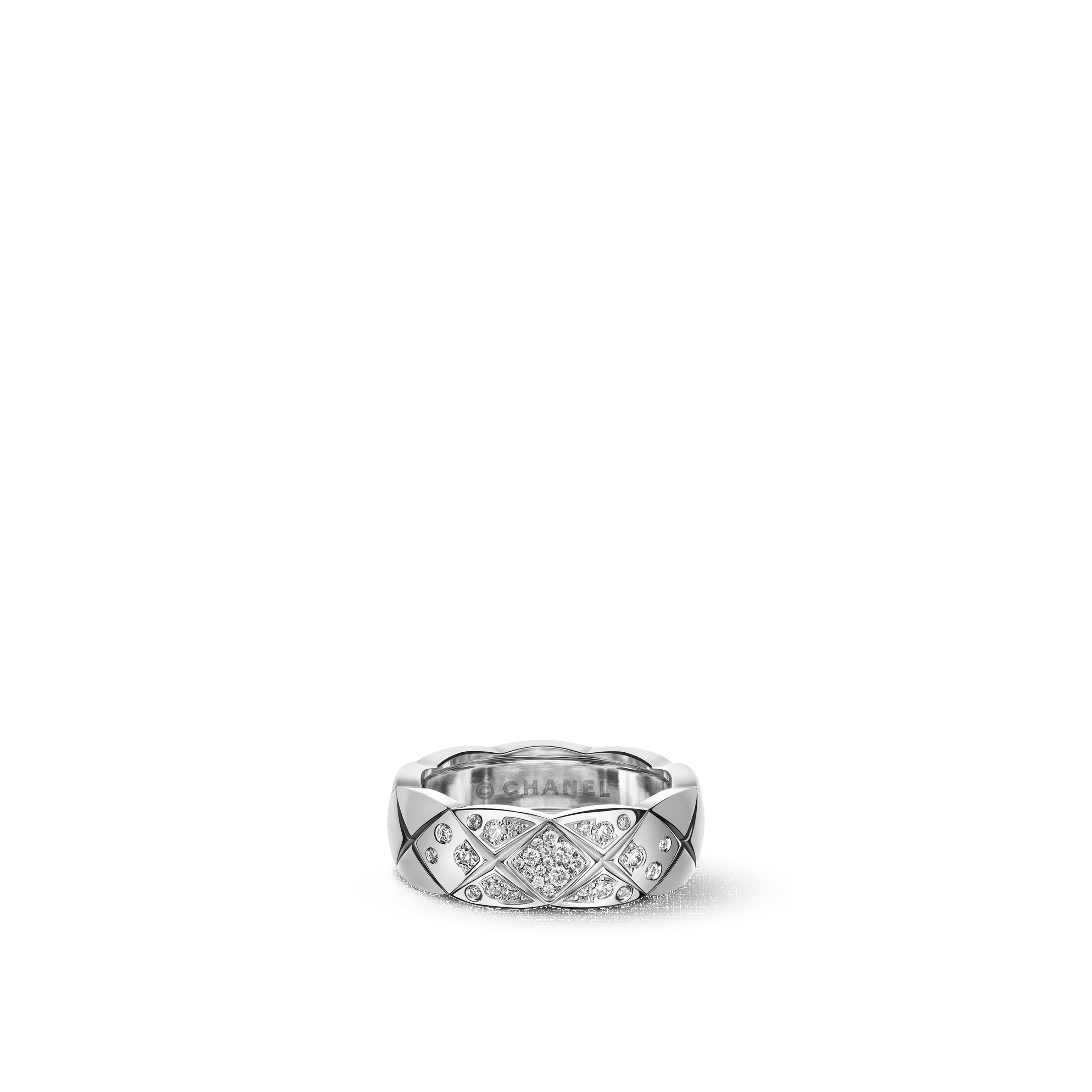 Coco Crush ring - Quilted motif, small version, 18K white gold, diamonds - CHANEL - Default view - see standard sized version