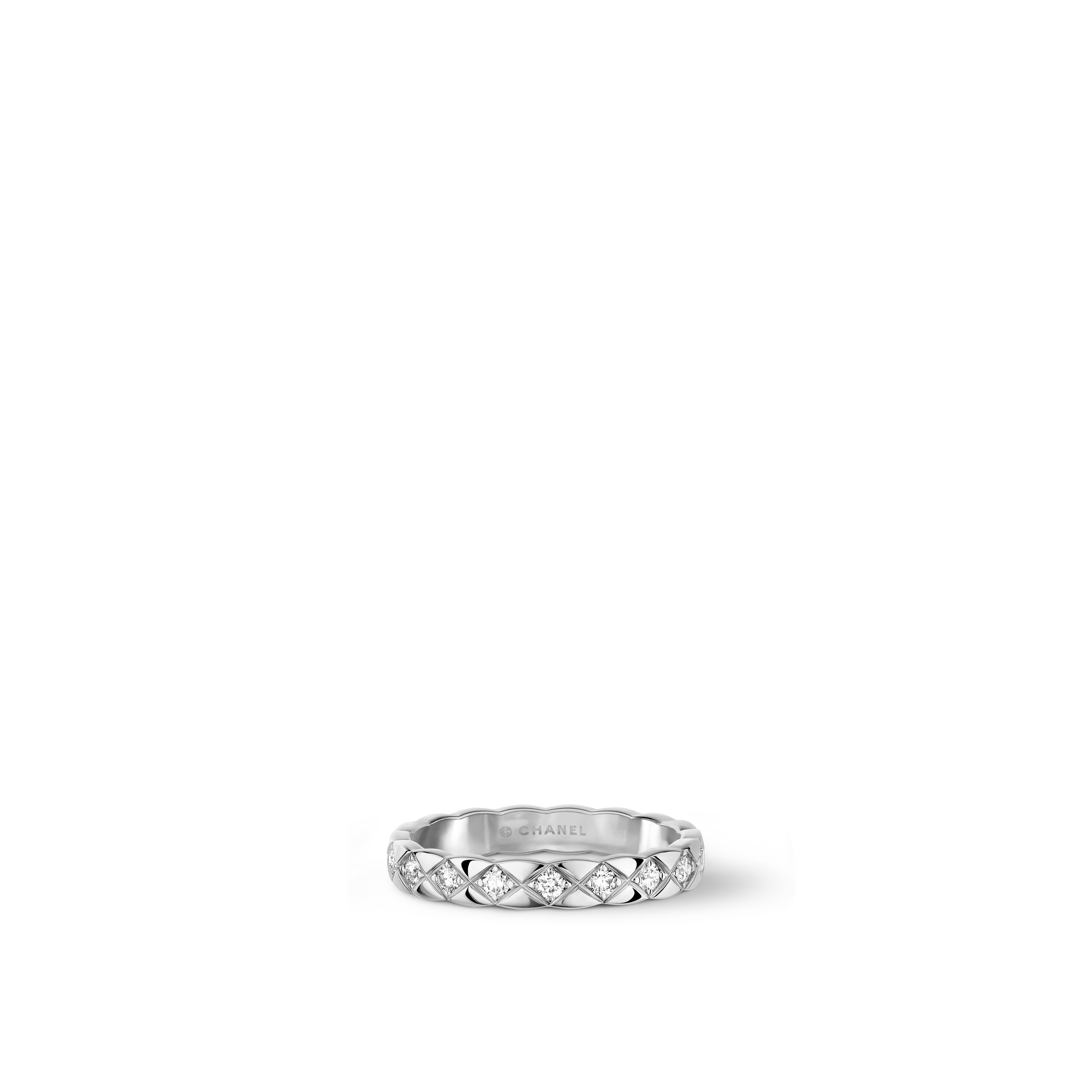 Coco Crush ring - Quilted motif, 18K white gold, diamonds. Mini version. - CHANEL - Default view - see standard sized version