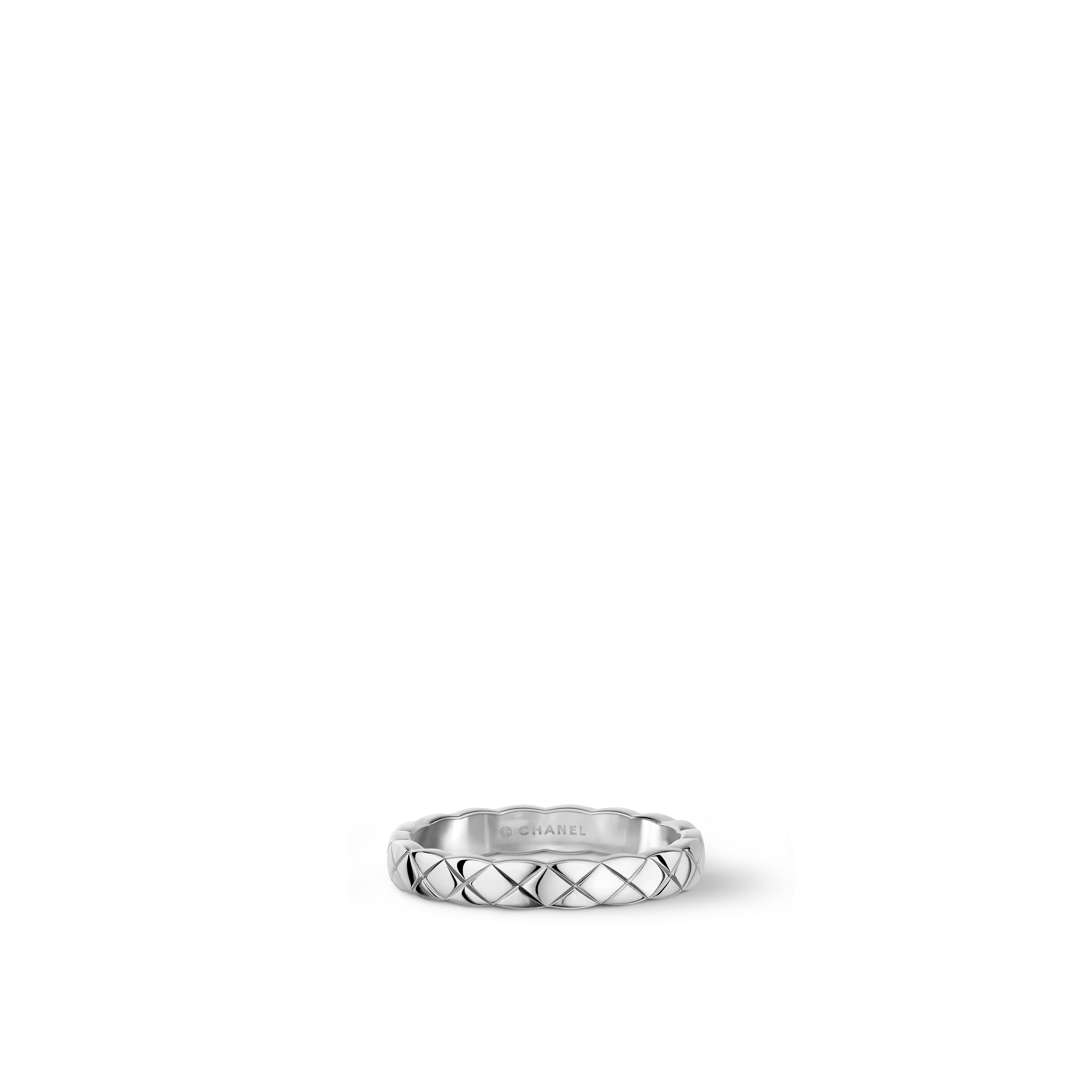 Coco Crush ring - Quilted motif, 18K white gold, Mini version. - CHANEL - Default view - see standard sized version